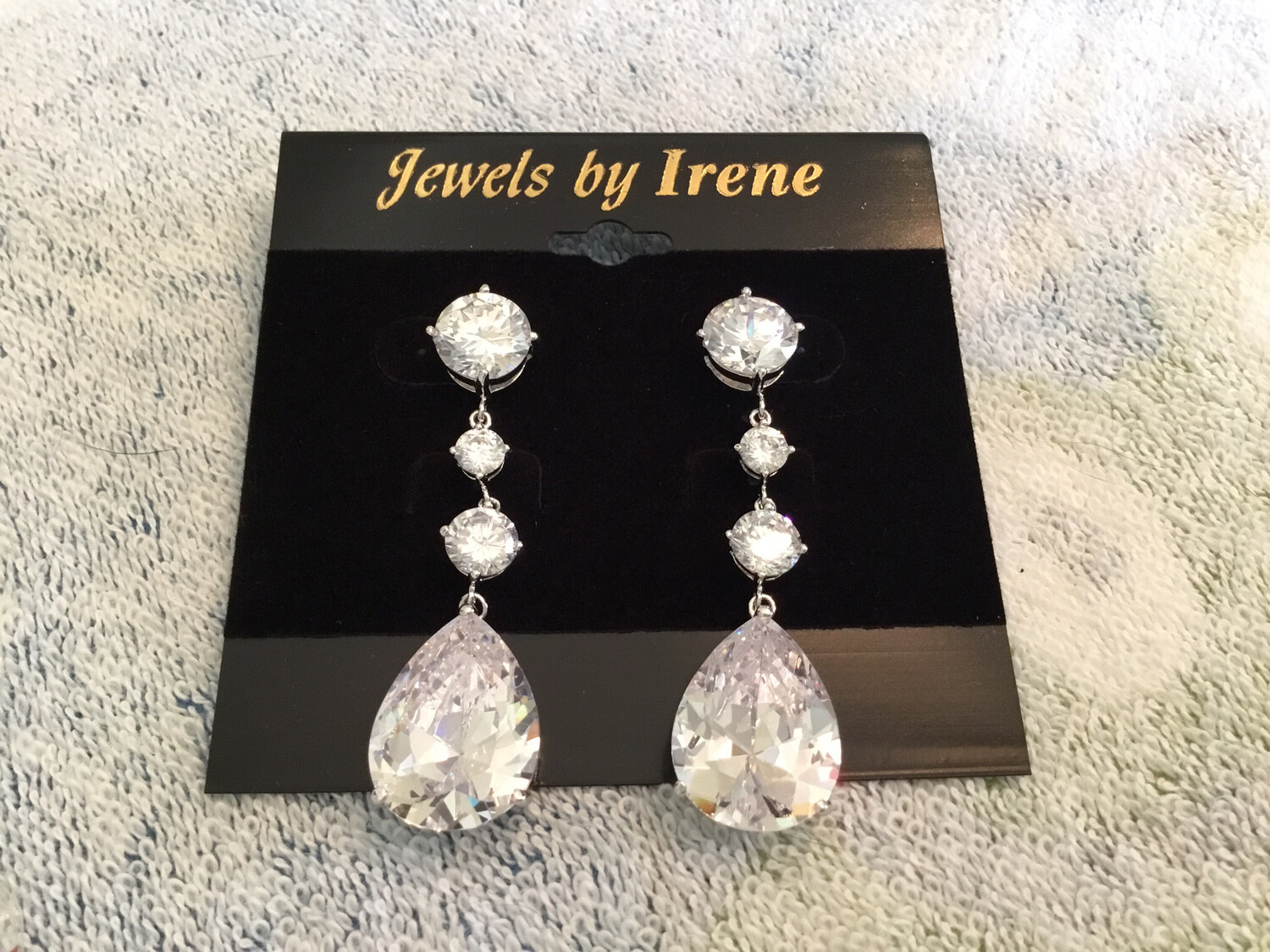 Elegant Long Crystal Earrings With Large Pear And Round Shape Earrings
