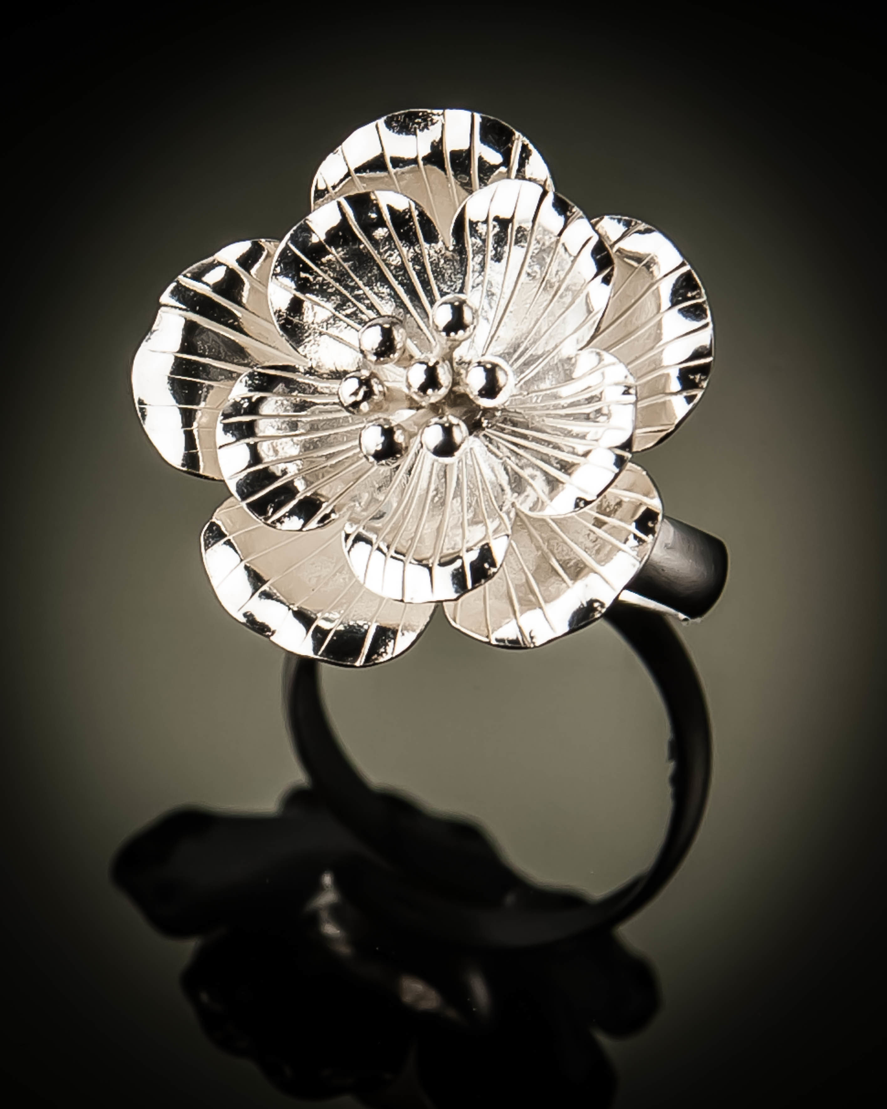 Sterling Silver Elegant Hibiscus Flower Ring R-09093