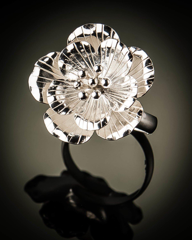 Sterling Silver Elegant Hibiscus Flower Ring