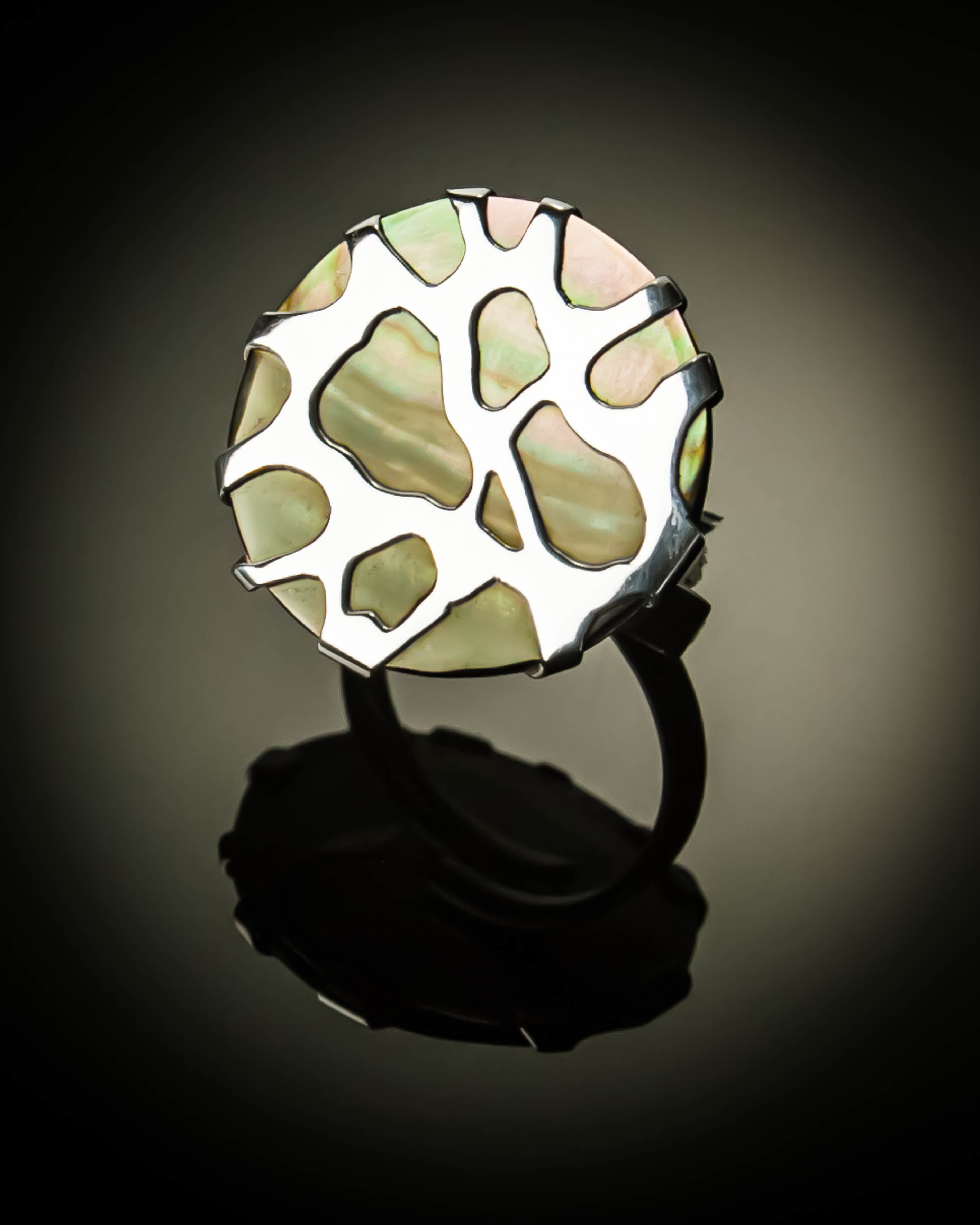 Sterling Silver Cobweb Design Ring R-08006 Grey Mother of Pearl