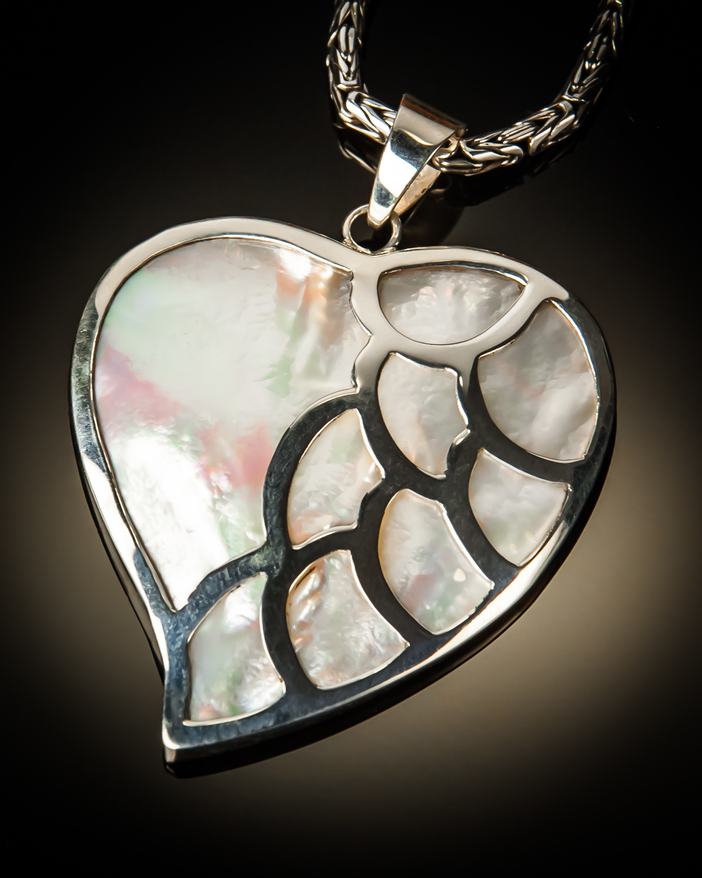 Mother of Pearl Heart With Sterling Silver Scallop Pendant P-09070