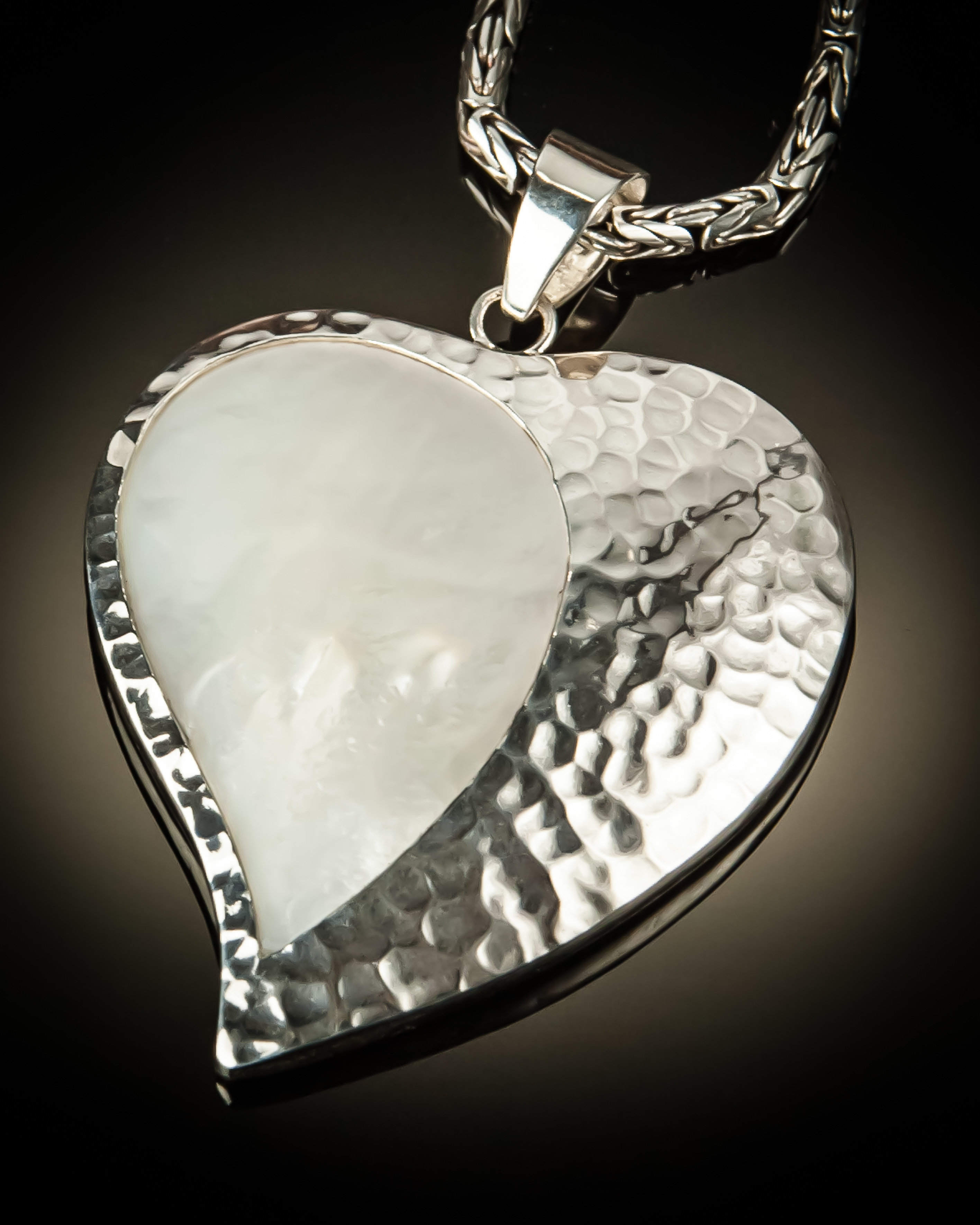 Mother of Pearl with Hammered Silver Heart Pendant P-09069