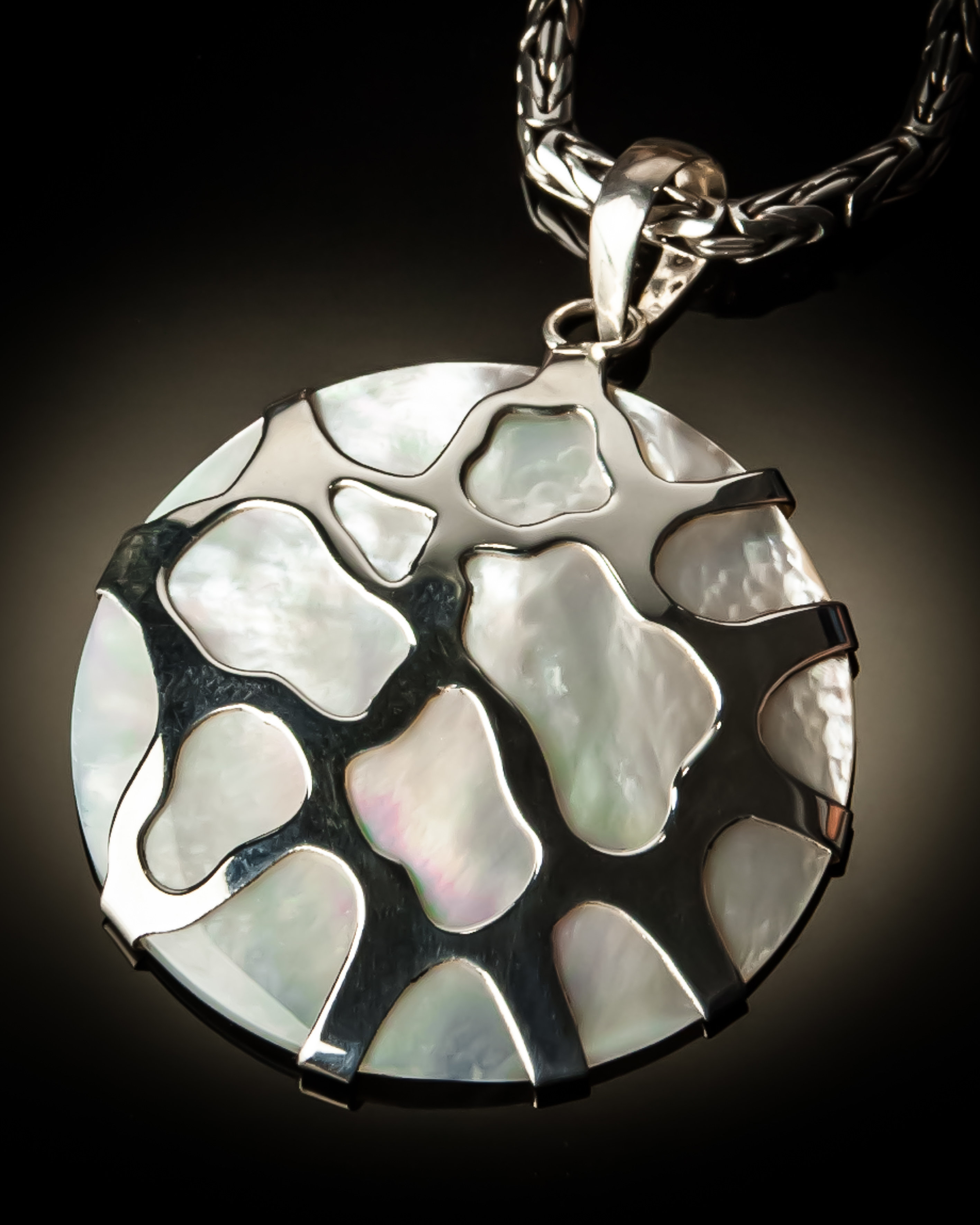 Jinja Pendant P-08006 White Mother of Pearl