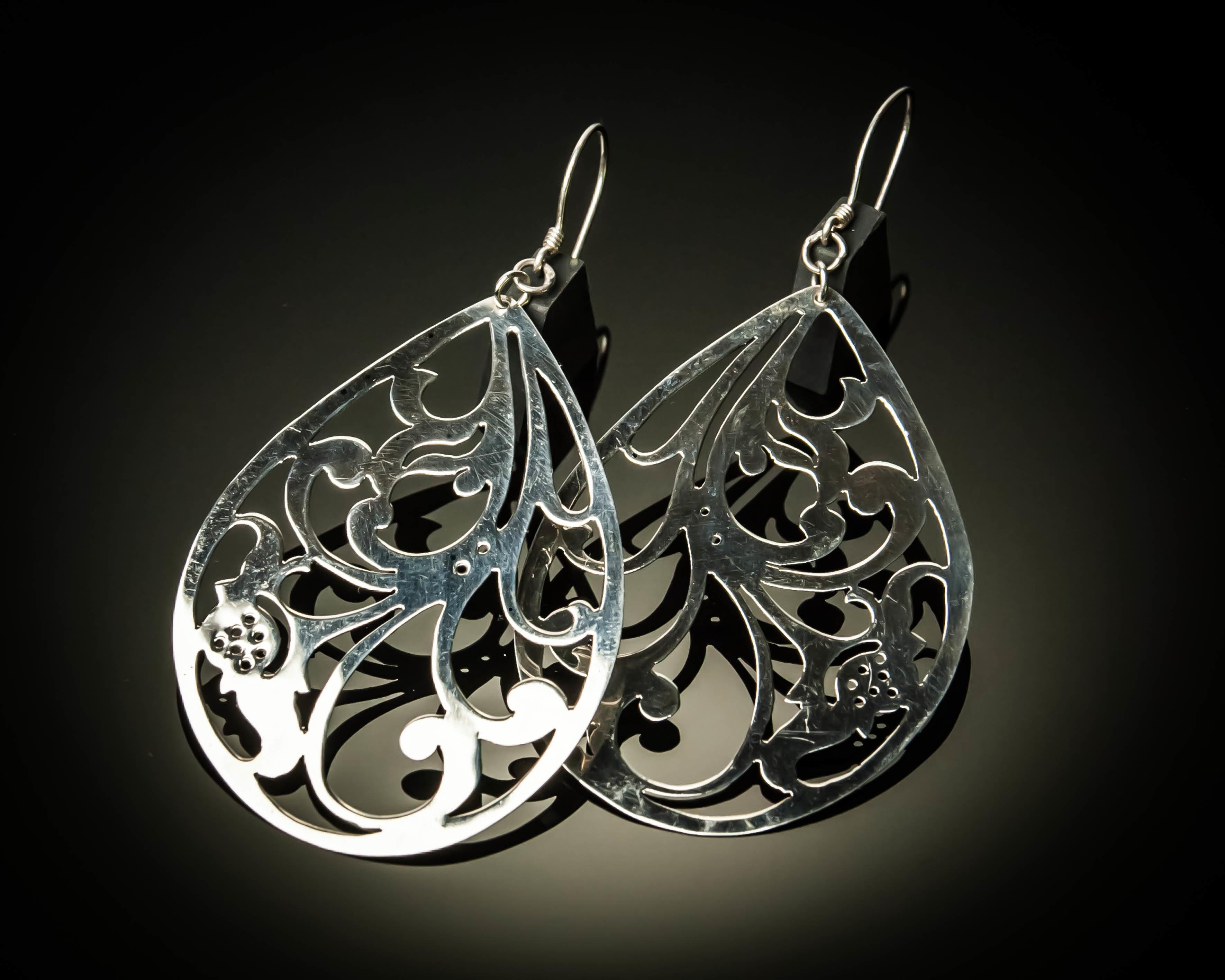 Pear Shape Cutout Sterling Silver Earrings ER-09070