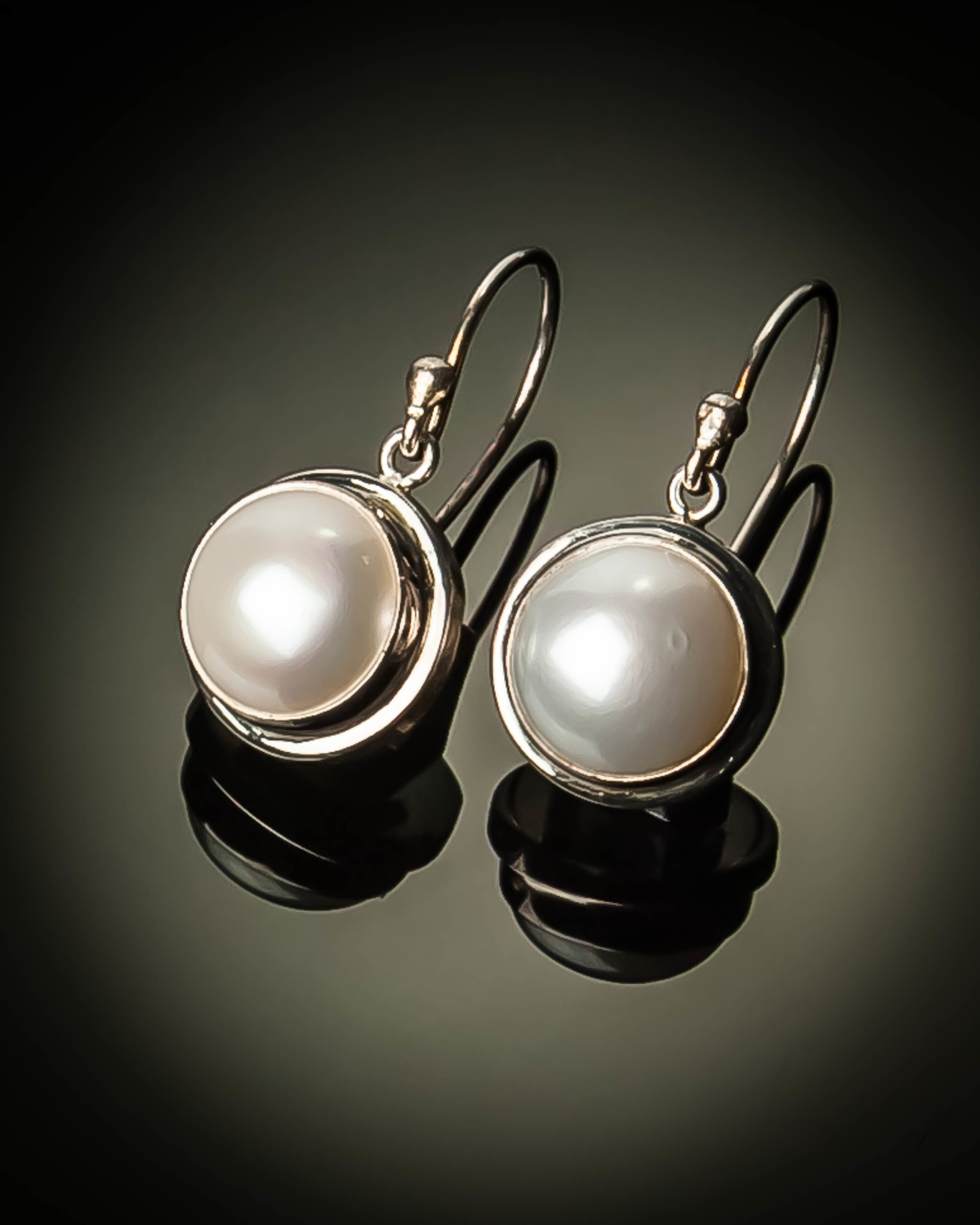 Mabe Pearl Sterling Silver Small Earrings ER-09066