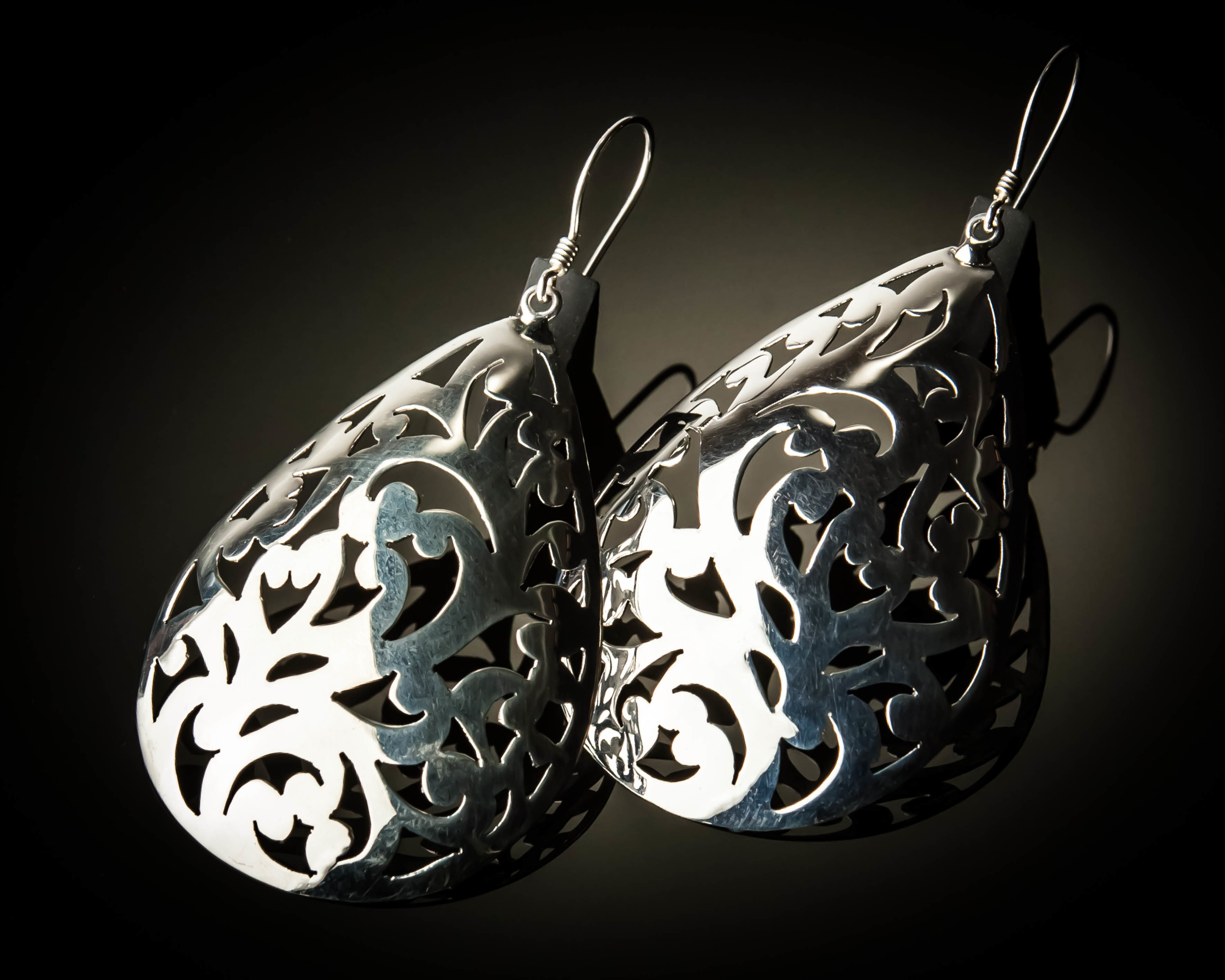 Celtic Design Sterling Silver Earrings ER-09028K-L