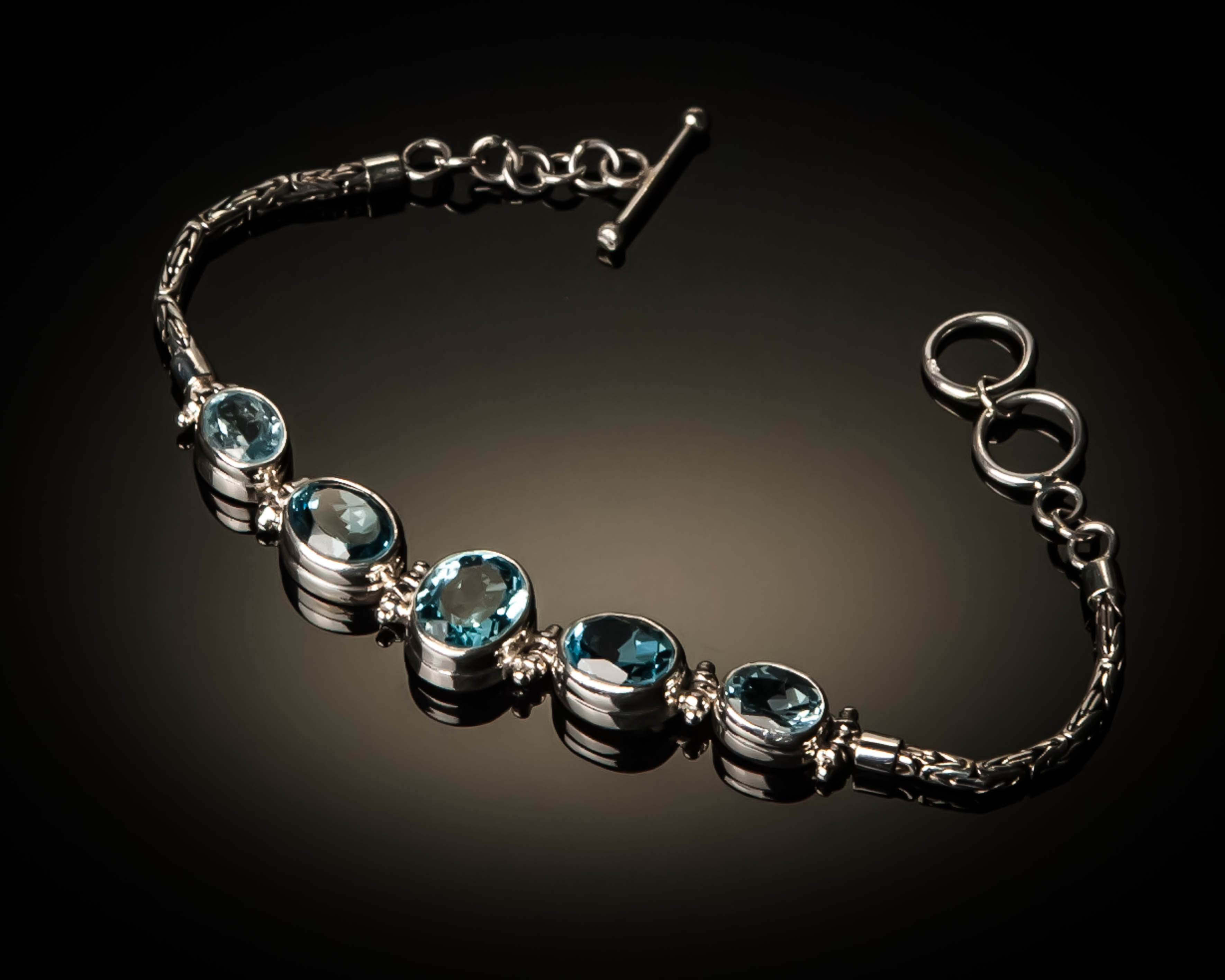 Sterling Silver Natural Blue Topaz Bracelet AGL-XXX Blue Topaz