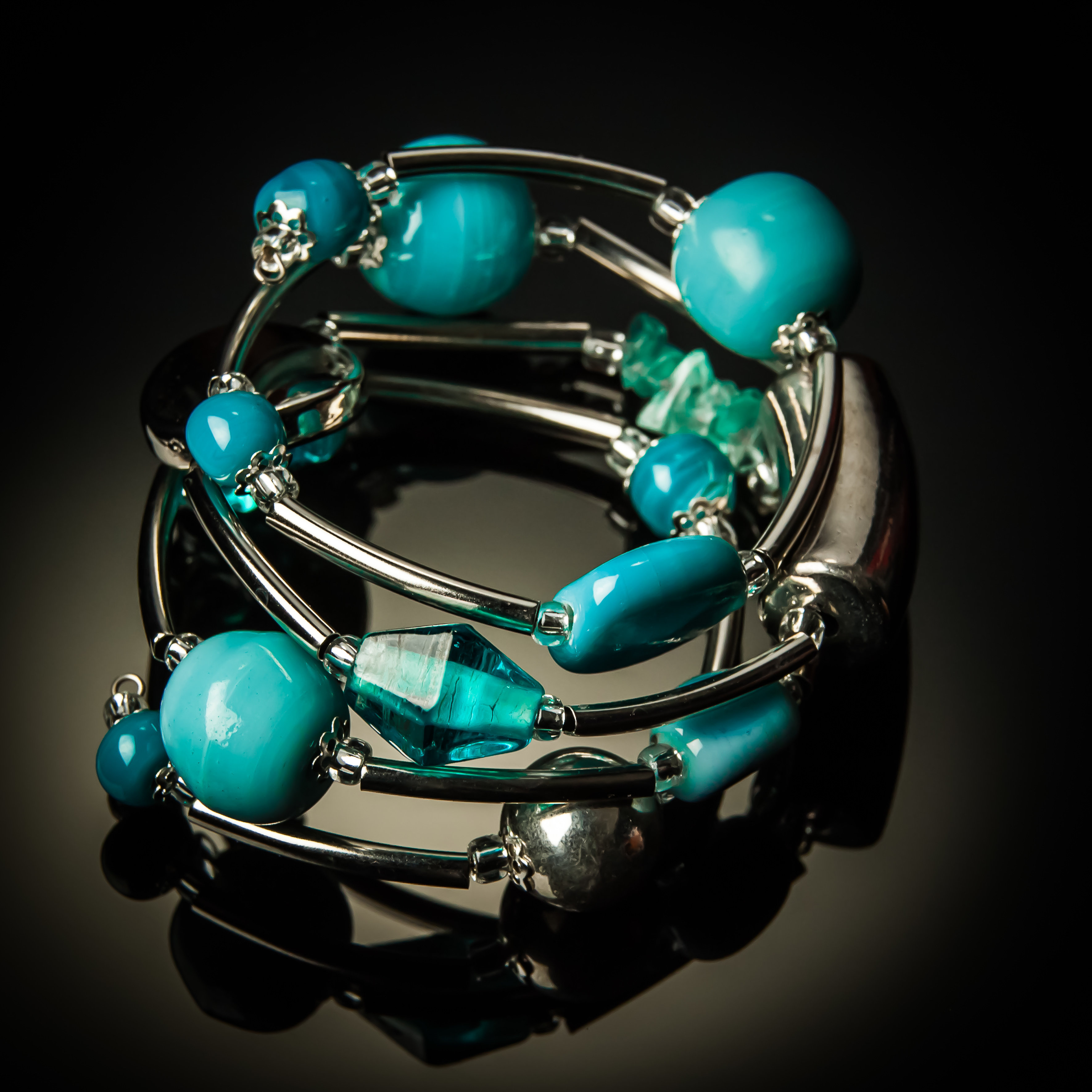 Light Blue Glass Twist Bracelet 624