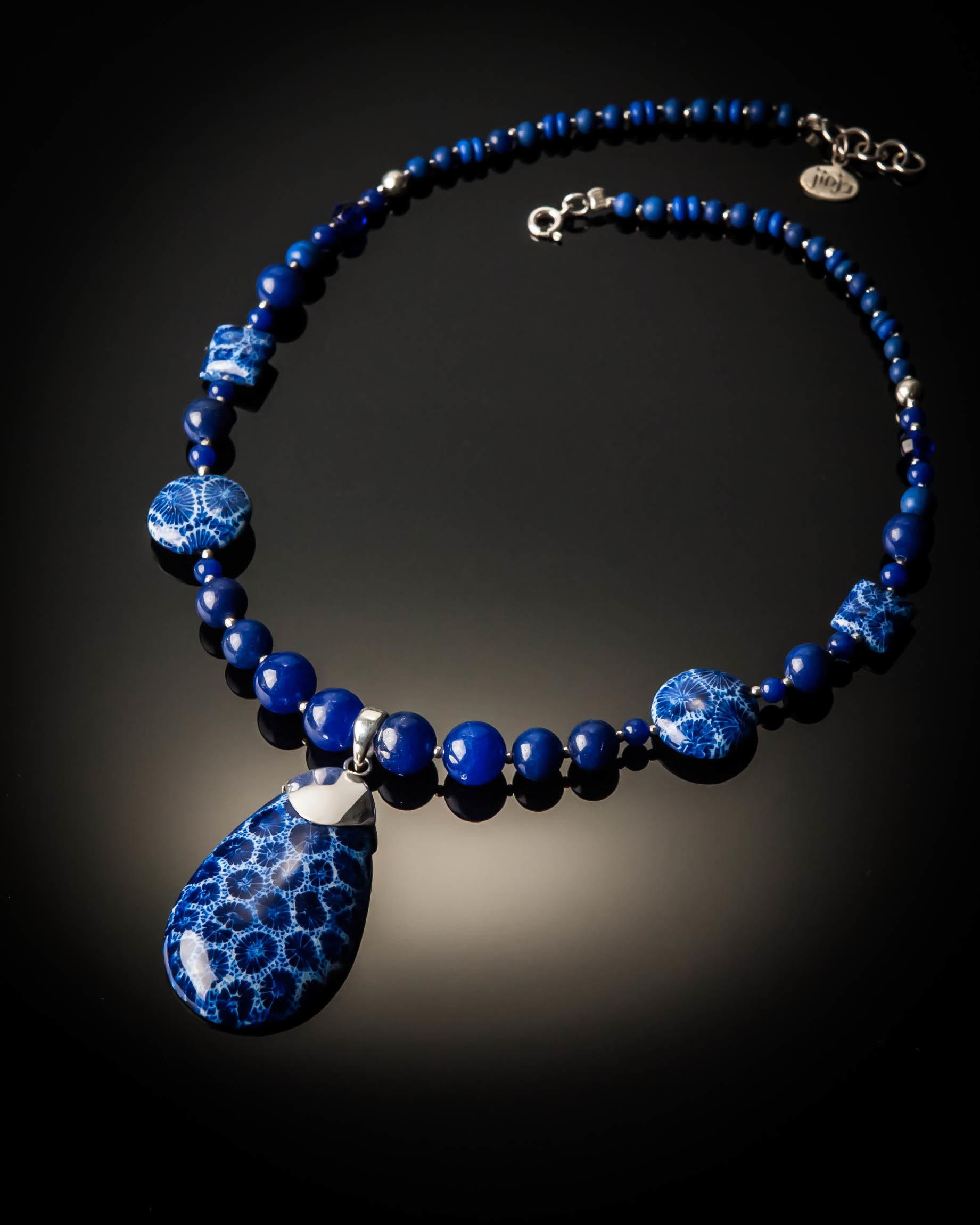 Blue Coral Pendant Bead Necklace 1088