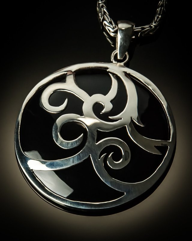 Black Shell Sterling Silver Celtic Design