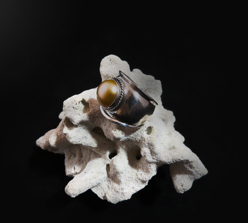 Mabe Pearl Sterling Silver Ring