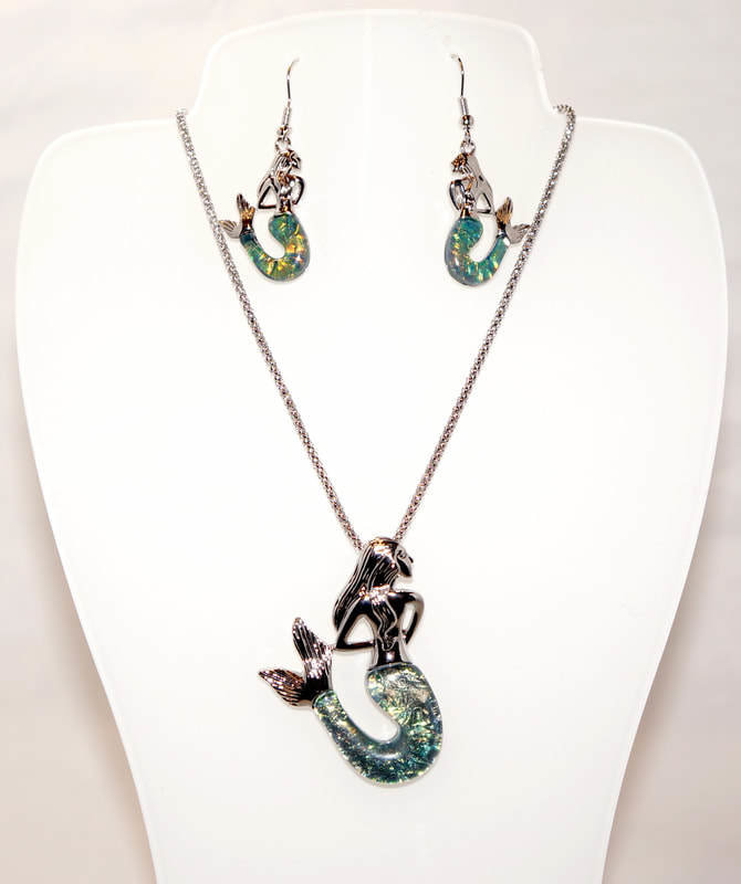 Dark Blue Mermaid Necklace Set