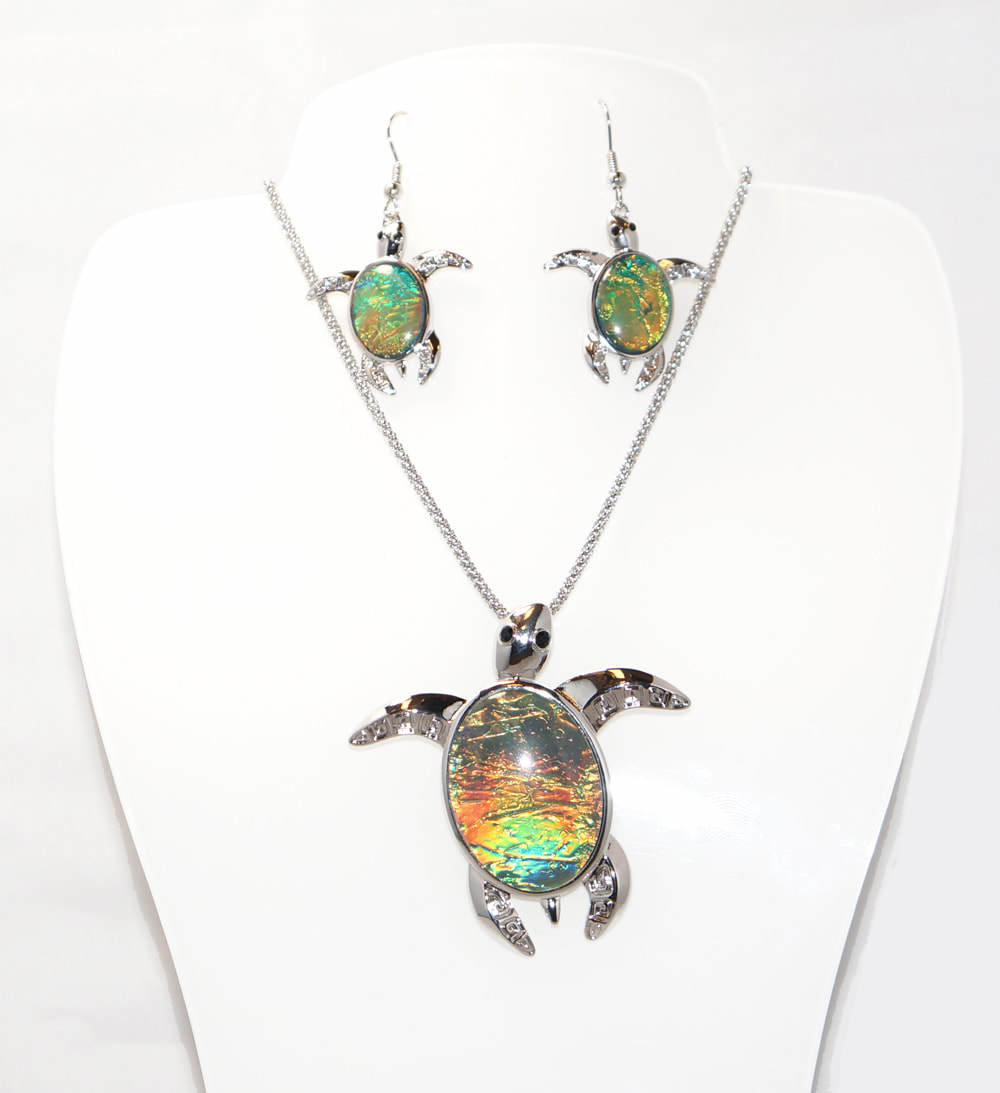 Green/Yellow Turtle Necklace Set