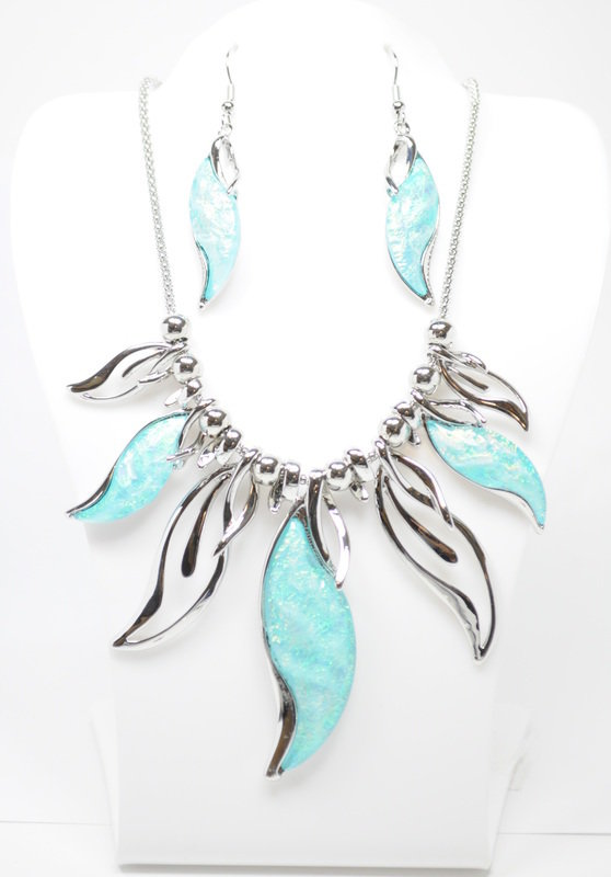 Light Blue Waterfall Necklace Set