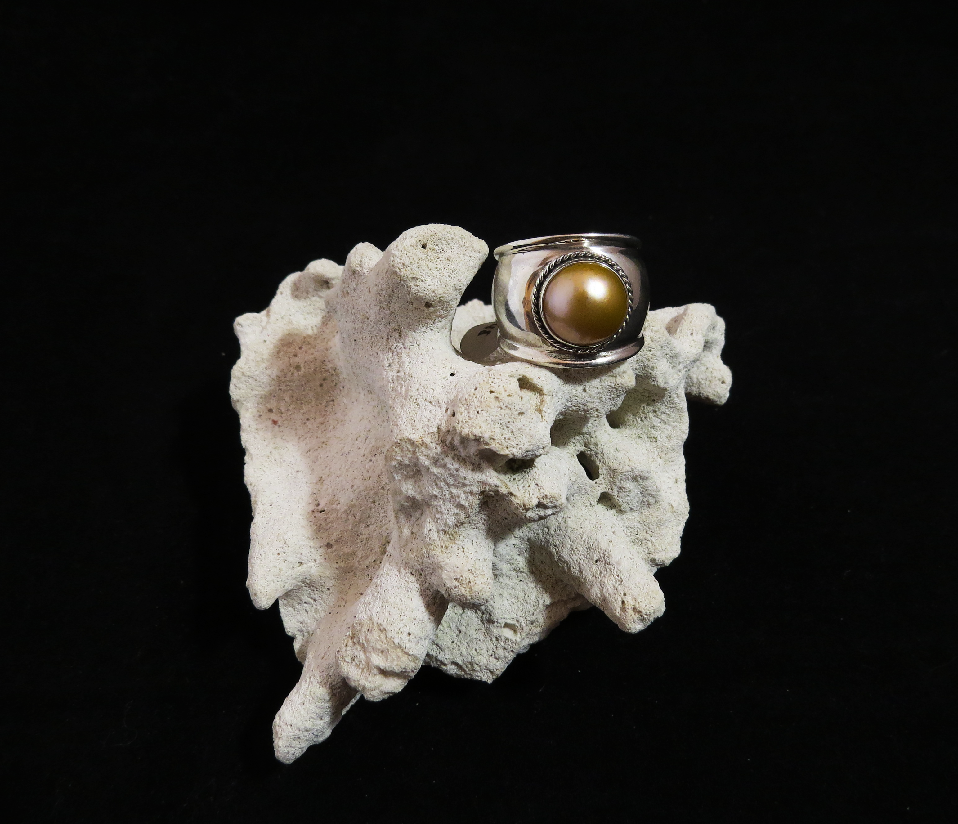 Sterling Silver Gold Mabe Pearl Ring R-09220 Gld
