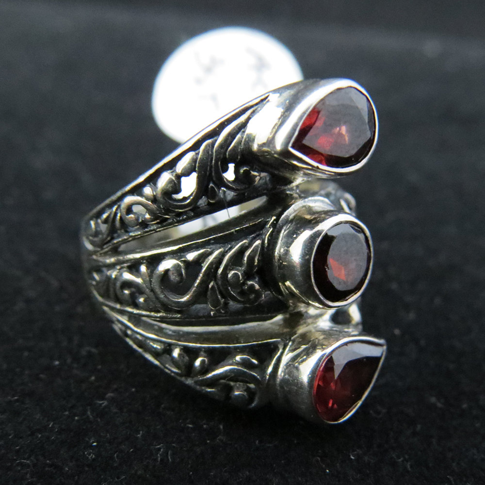 Sterling Silver Ornate 3 Garnet Ring R-ACC-3stone