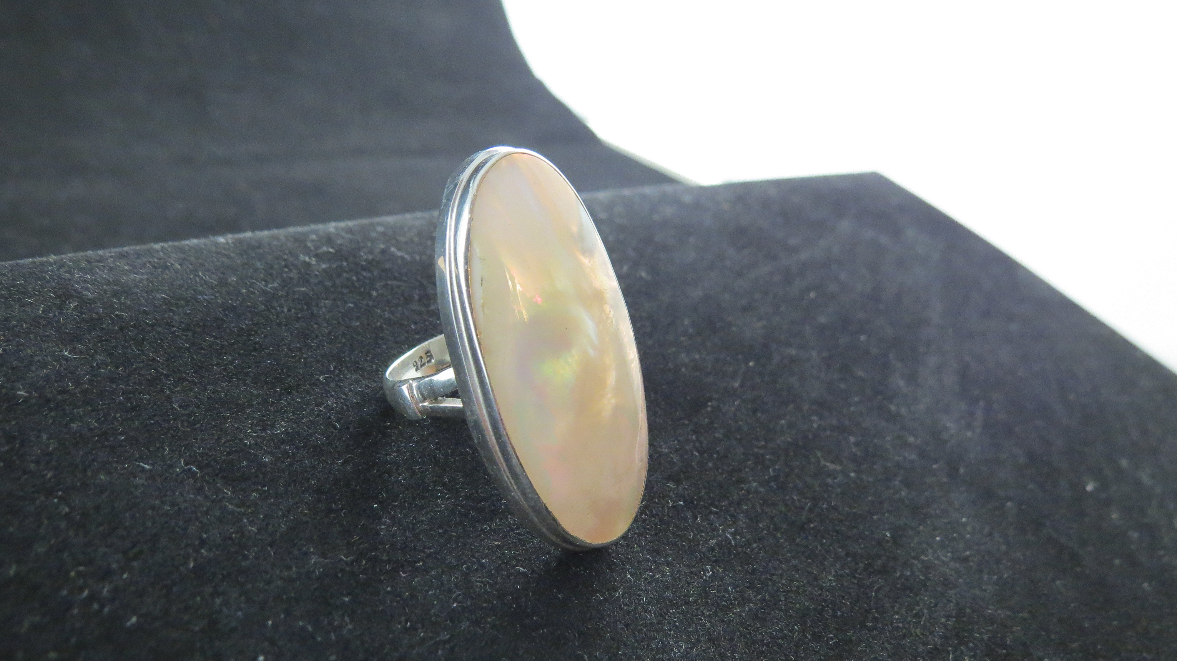 Sterling Silver Oval Mother of Pearl Ring R-ACC-2273 MOP