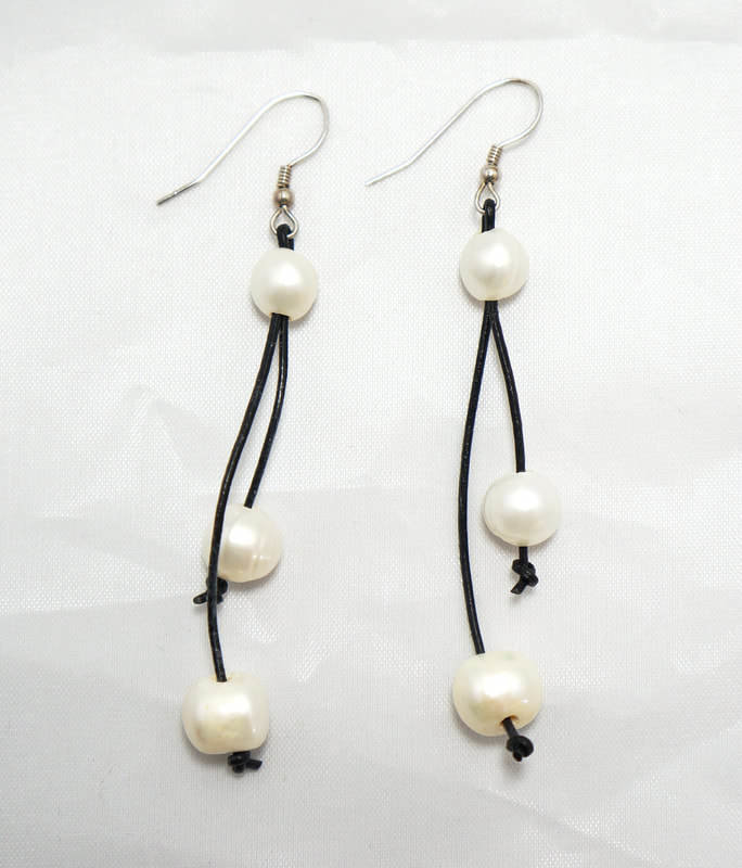 Black Leather with Two White Fresh Water Pearls PLE-1-B/W