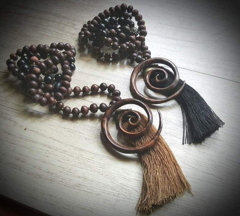 Sono Wood Necklace with Tassel