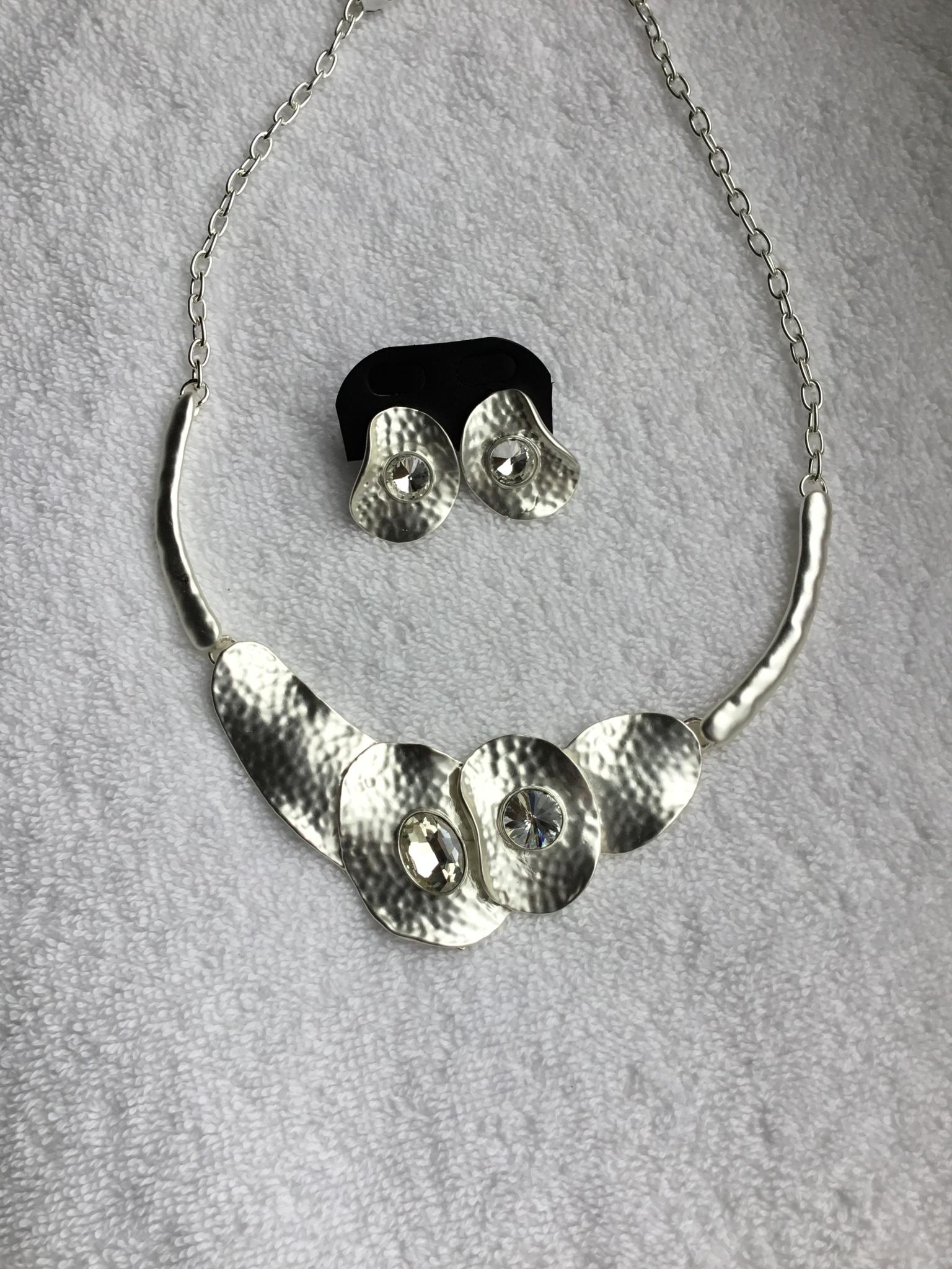 Hammered Petal w/ Crystal Necklace Set JNE-011-6978