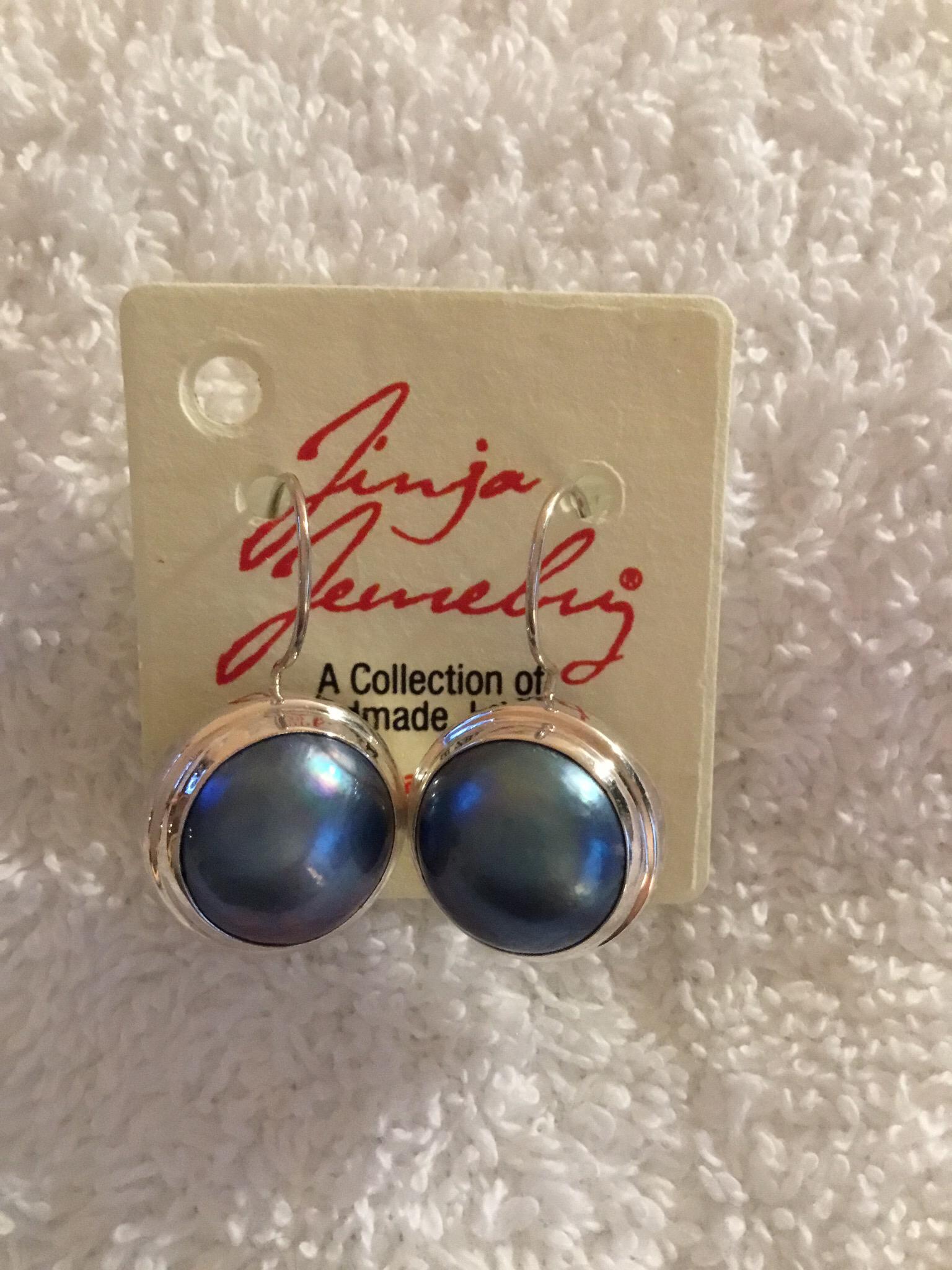 Sterling Silver Mabe Pearl Earrings Black AER-871