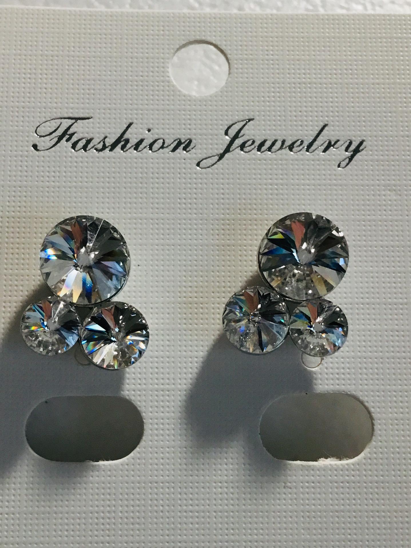Three Clear Crystal Earrings  100-AE20764