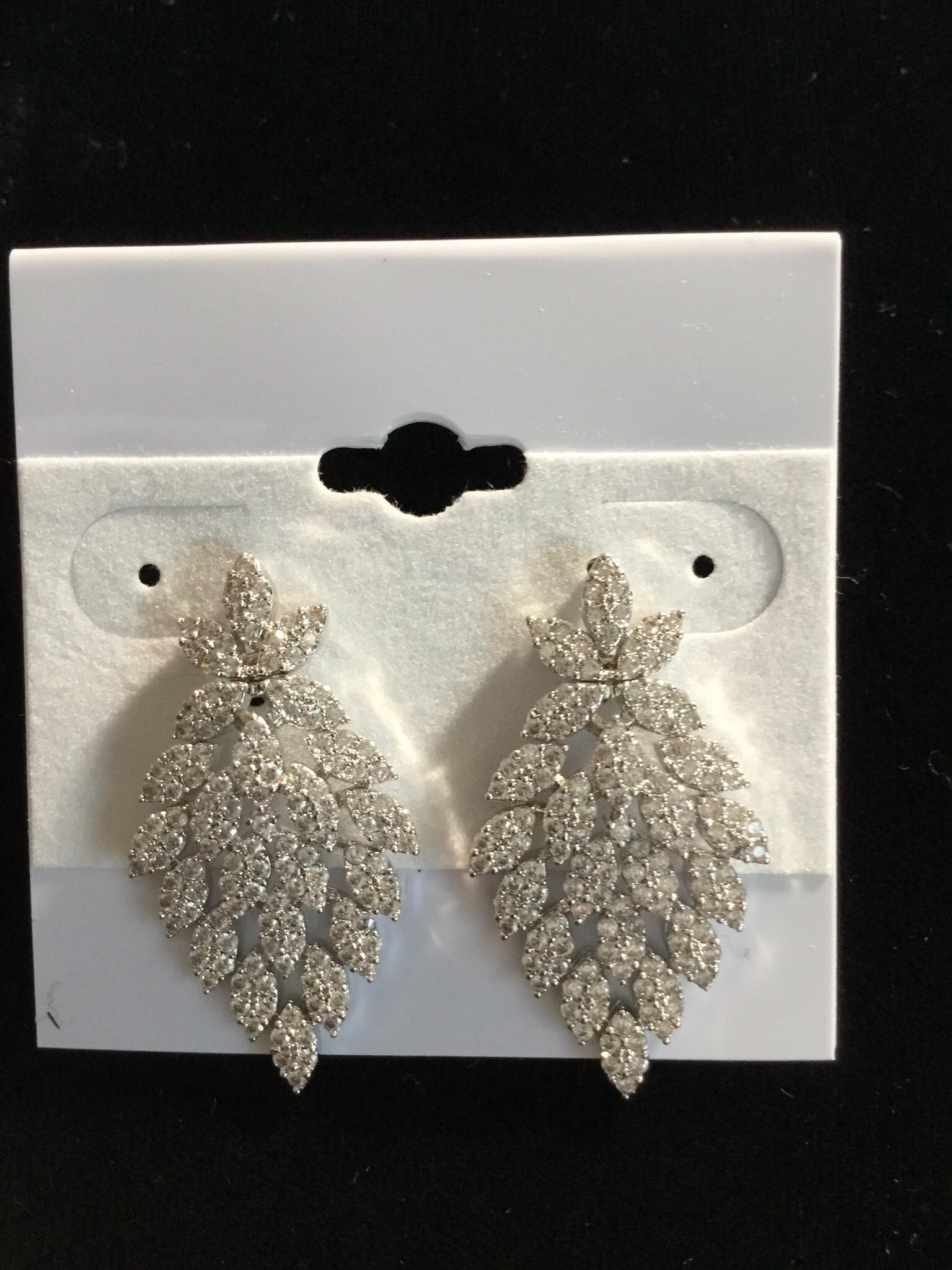 Silver Crystal V-designer Earrings  100-ER-09110