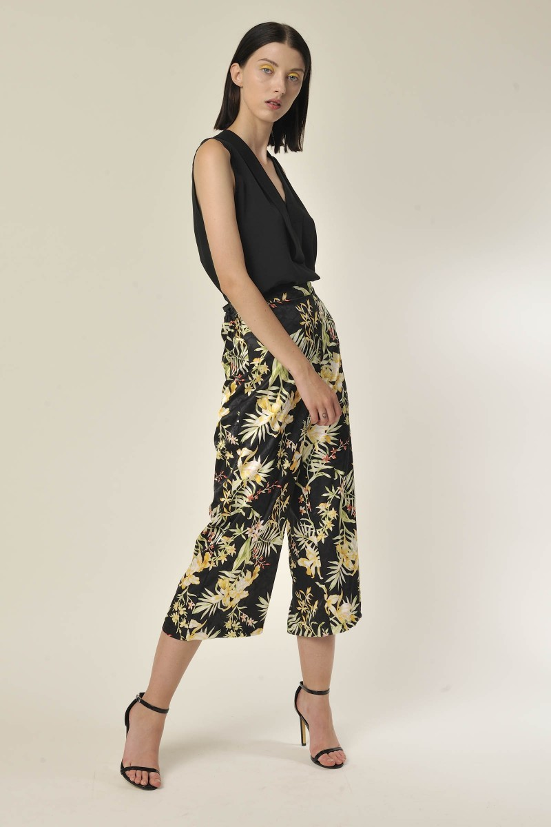 Floral Trousers Black G&JTR362S