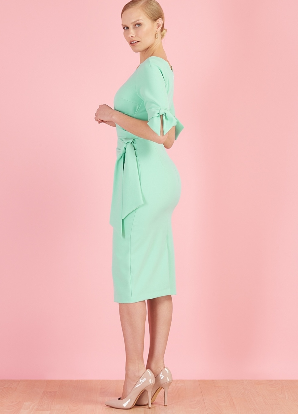 Hourglass Dress with Bows on Sleeves in Delicate Mint PDCHOURGLASS