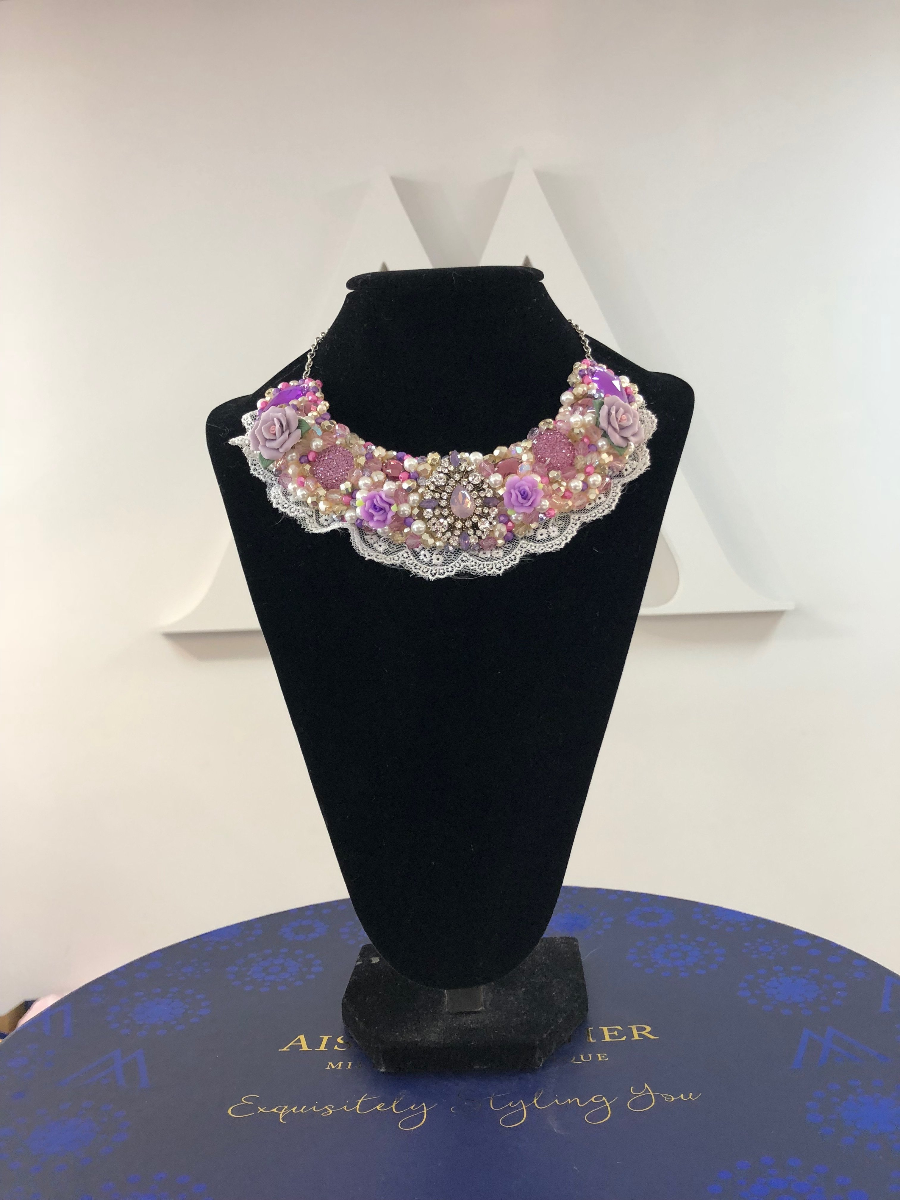 Aisling Maher Collar lilac/pijnk/pearl/gold