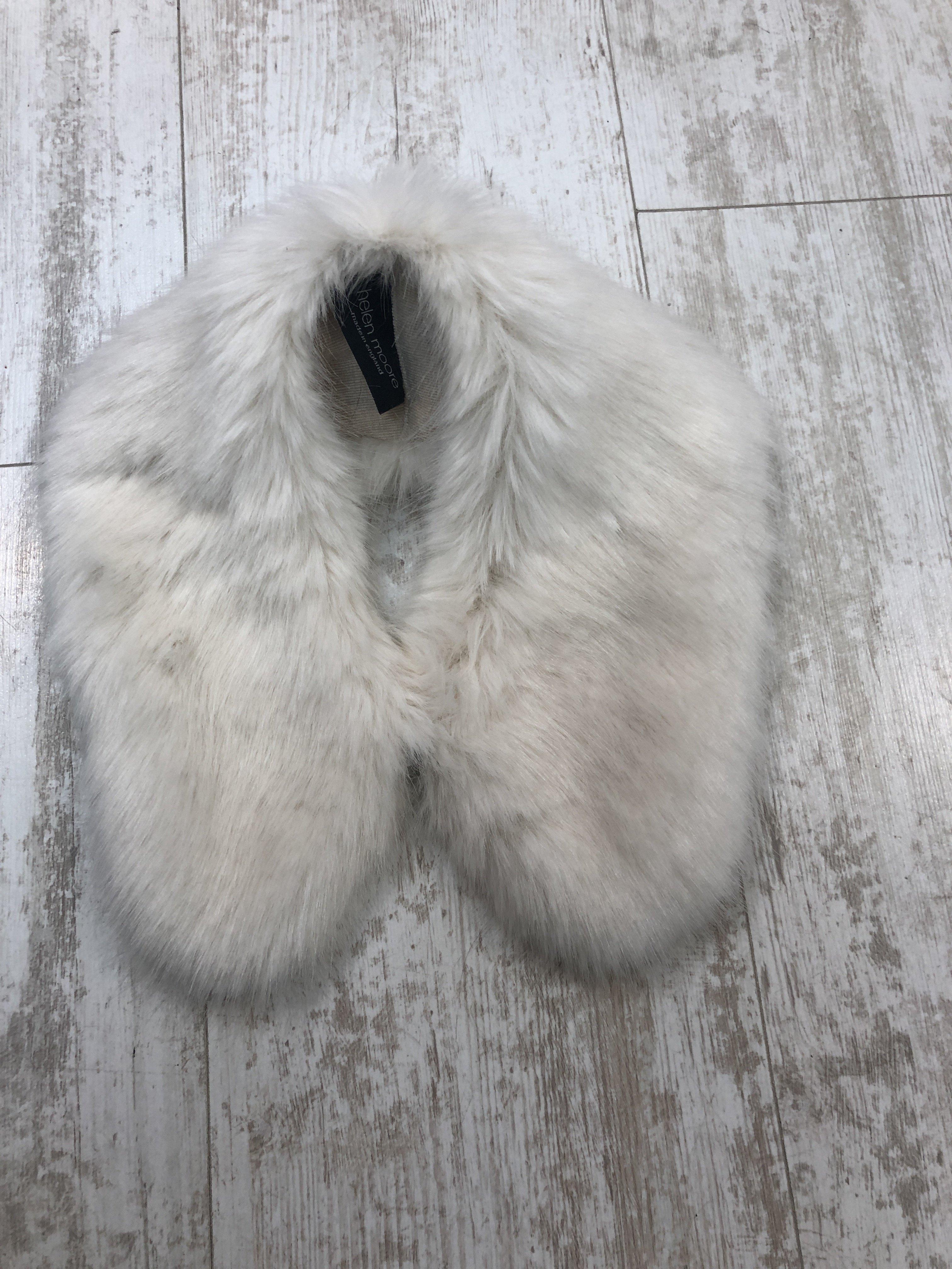 Helen Moore Shirt Collar Fur ermine 9BPFN5K90P6A4