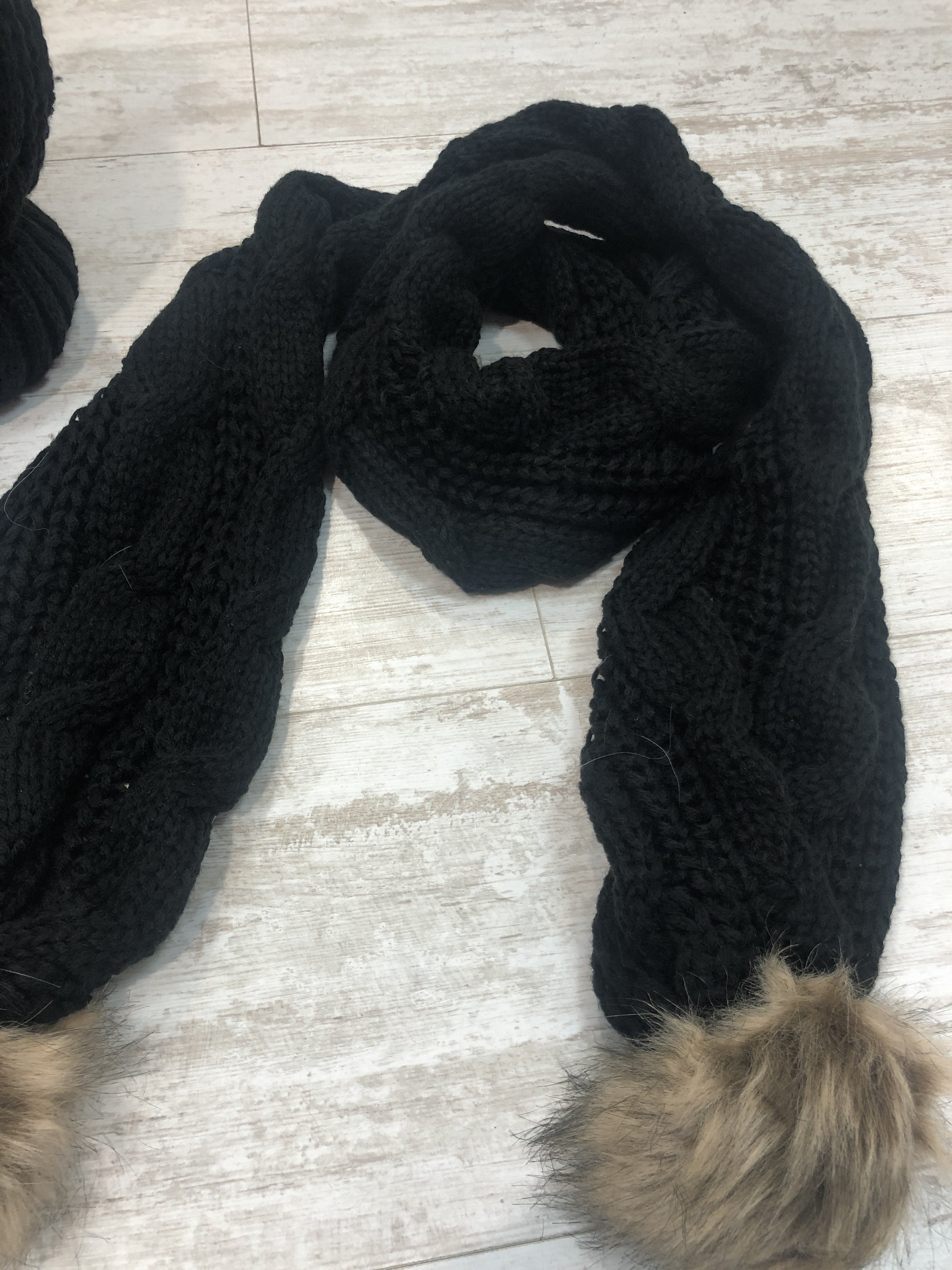 Hat And Scarf Set black