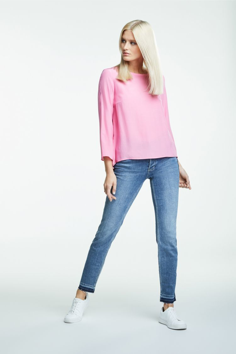 Bright pink top with 3/4 sleeves and dipped hem OUITOPDKPKx2