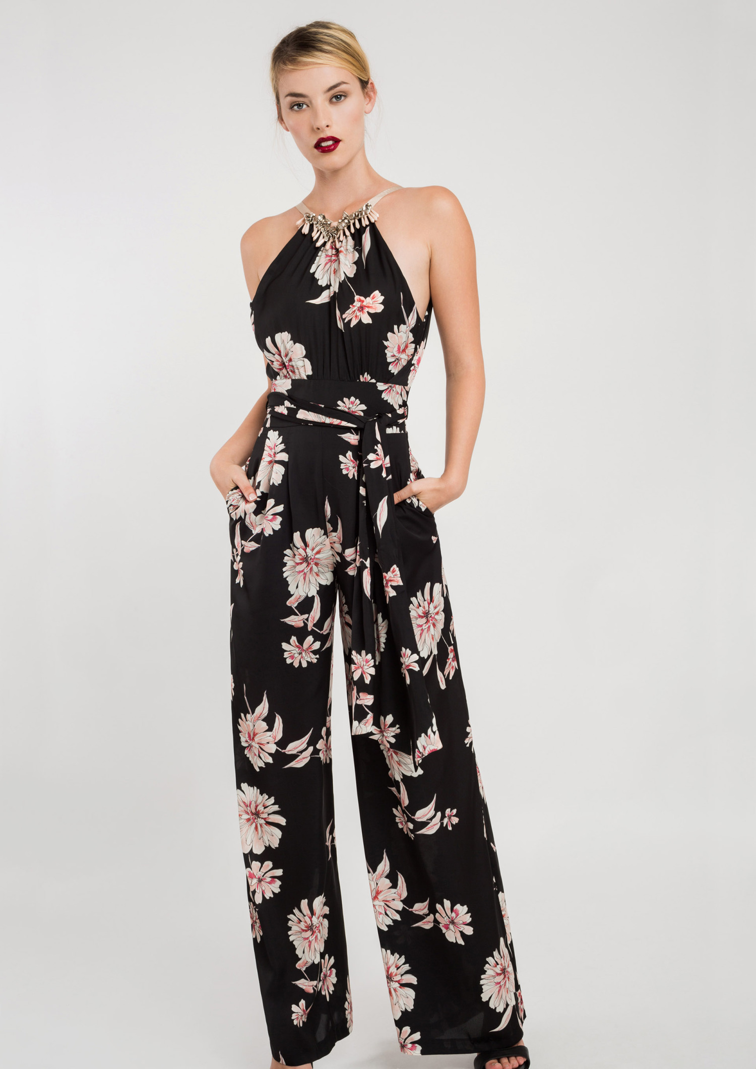 Printed Jumpsuit with Necklace Detail 00005