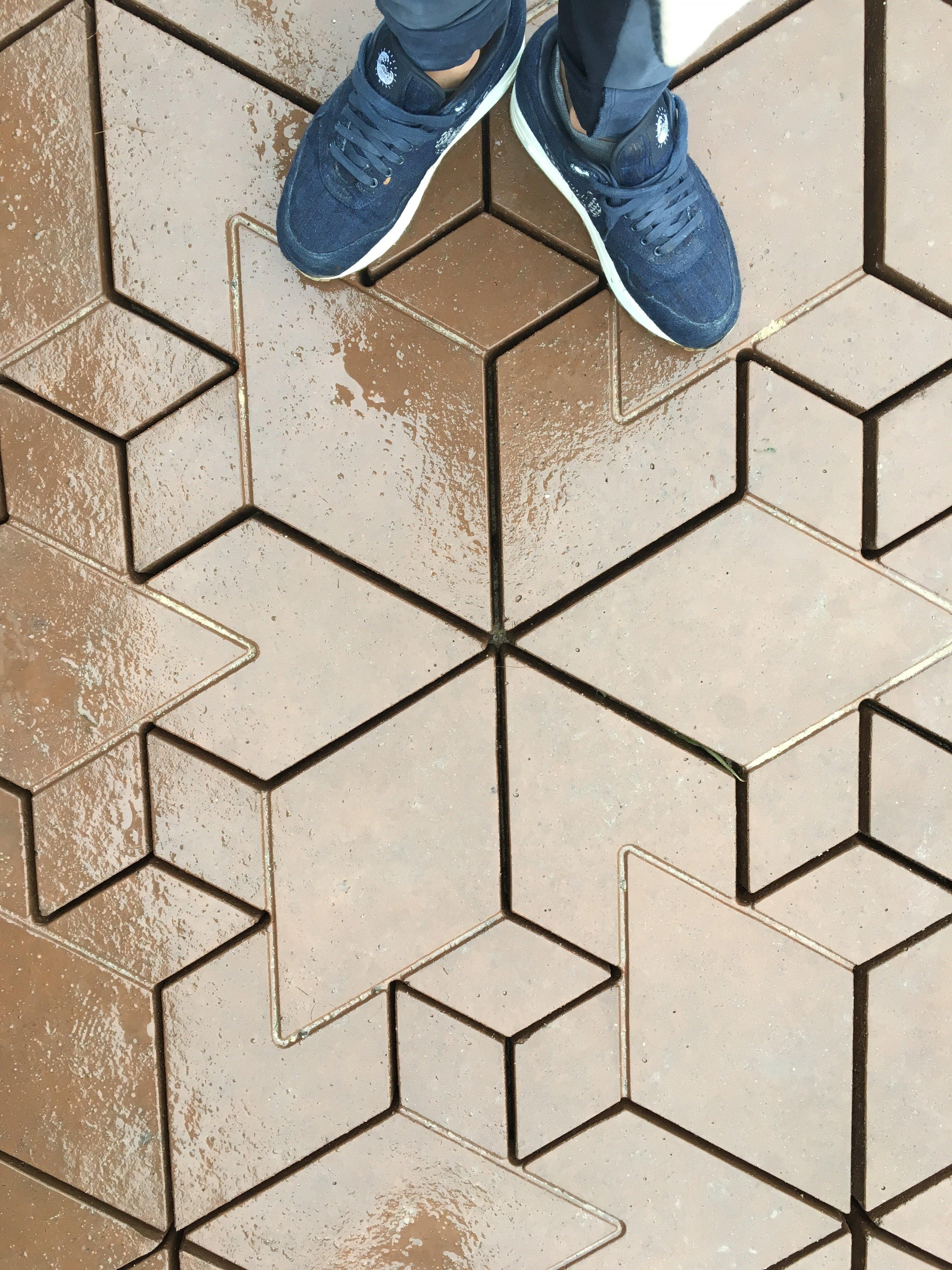 Concrete cityscapes terracotta design beton tegel genspireerd op escher dailygadgetfo Gallery