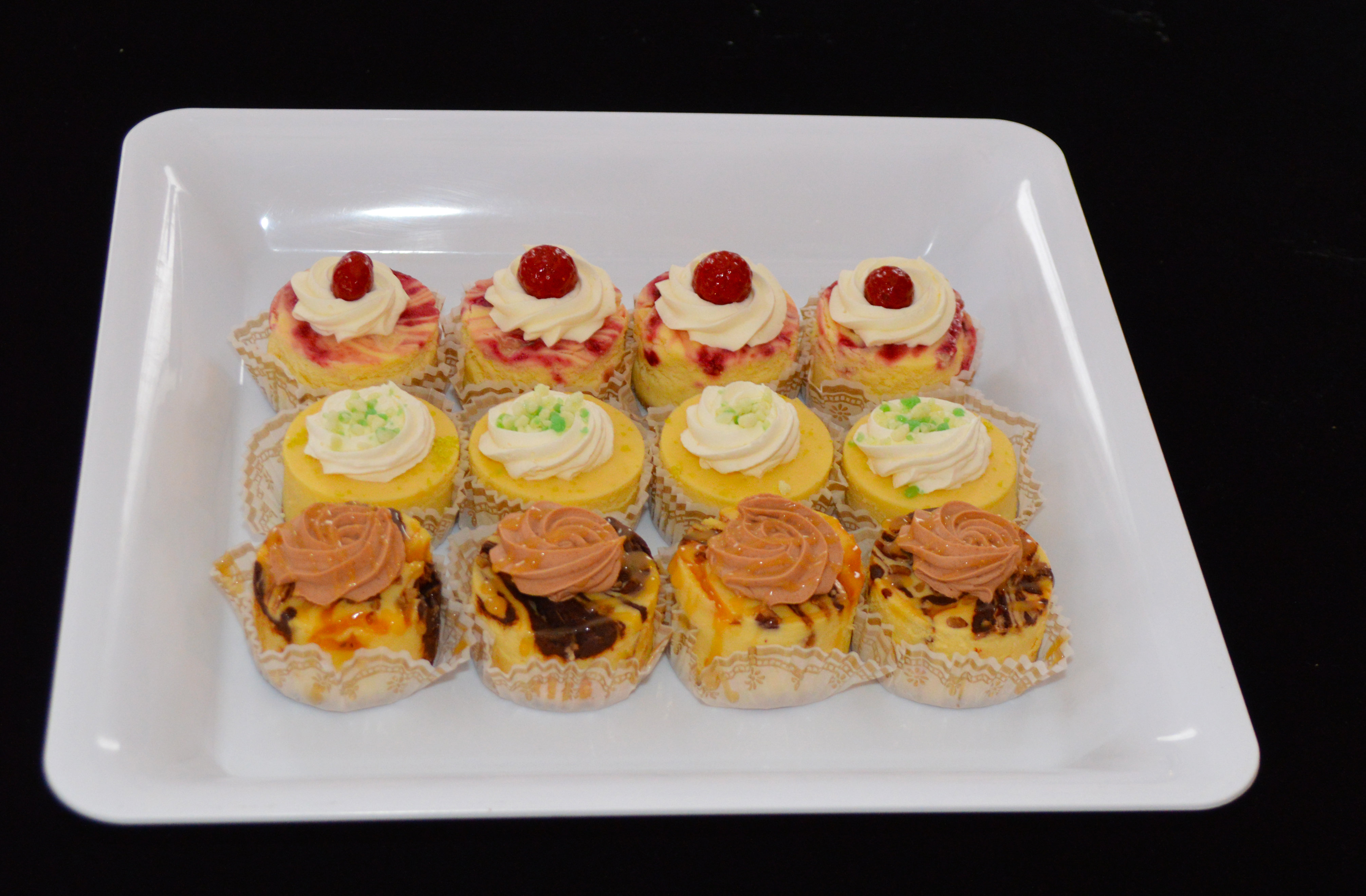 12 pack Variety Cheesecakes 00030