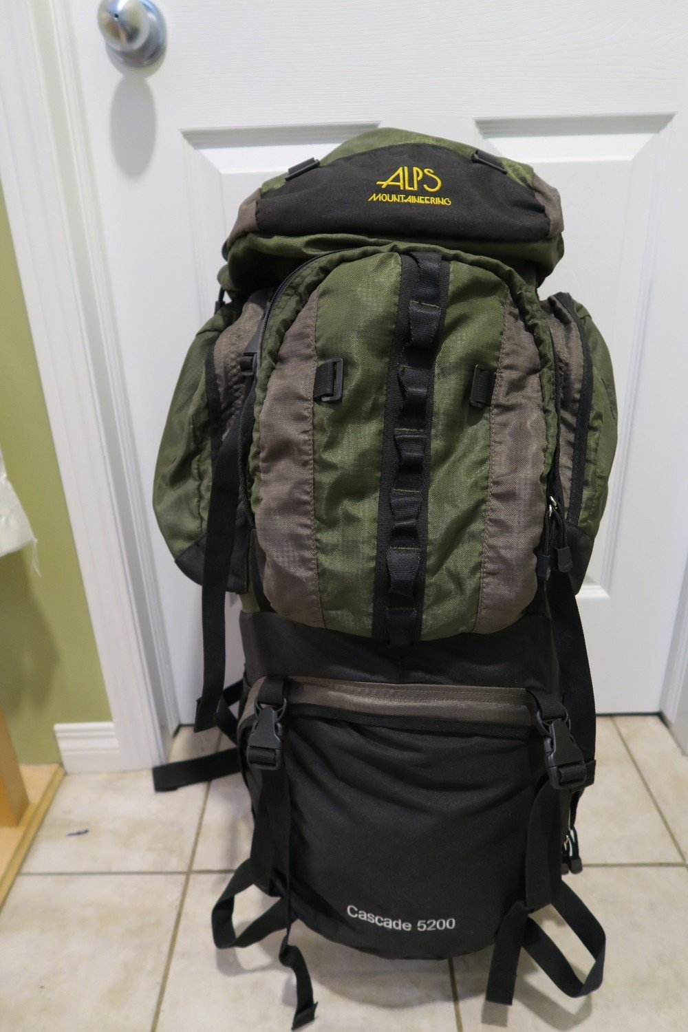 ALPS Mountaineering Cascade 5200 (85L) Expediton Backpack - Used