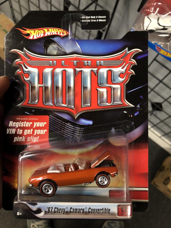 Hot wheels-ultra hots-67 camaro convertible
