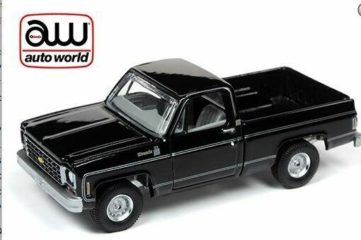 Auto World 1:64 Premium 2019 Release 4 B - Chevy Silverado 10 Fleet Side Truck 1975 Gloss Black