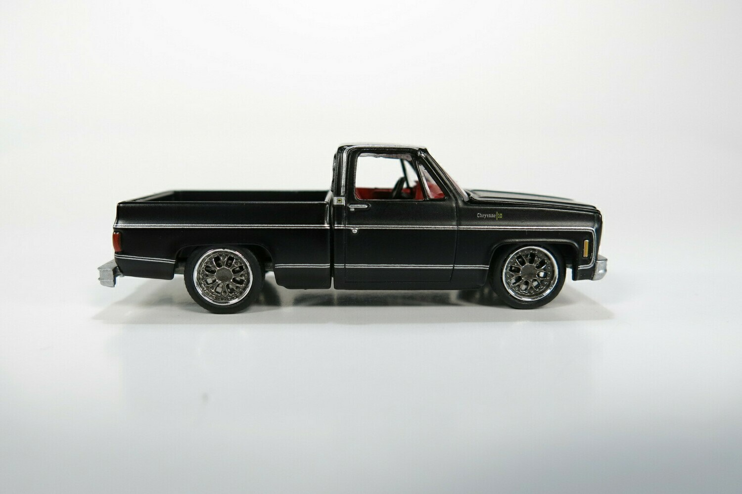 Weekend of Wheels Chevy Cheyenne Clean Truck Case of 48 Guaranteed Chase