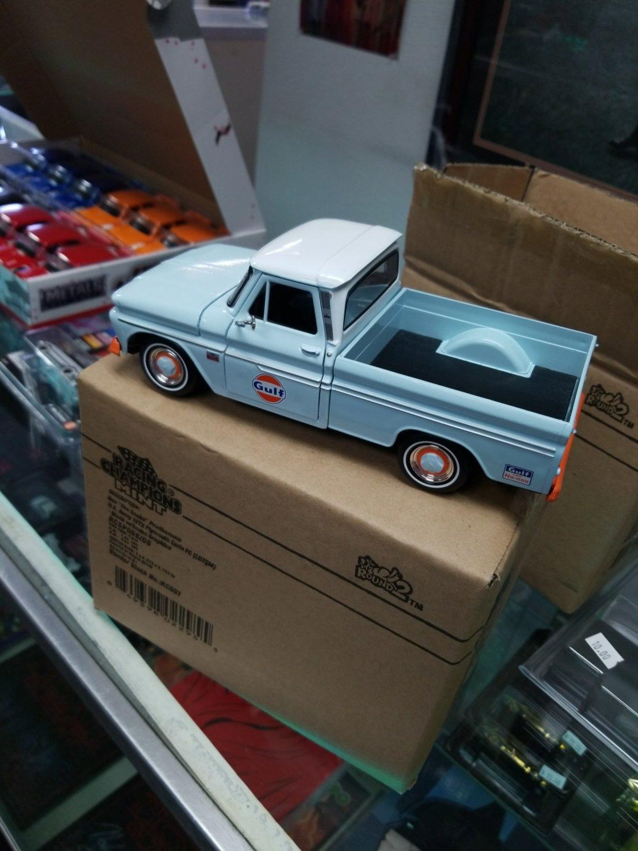 Gulf Motormax Chevy Truck 1/24