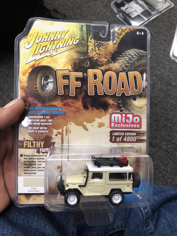 Johnny Lightning-Off Road 1980 Toyota Land Cruiser