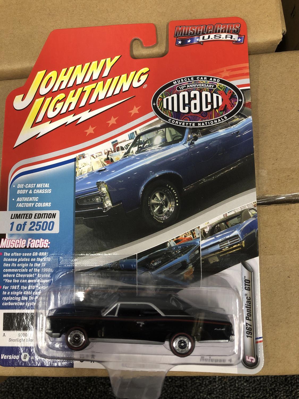 Johnny Lightning-MCACN-1967 Pontiac GTO