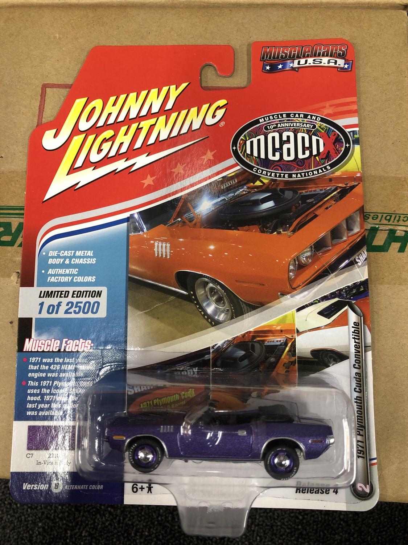 Johnny Lightning-MCACN-1971 Plymouth Cuda Convertible