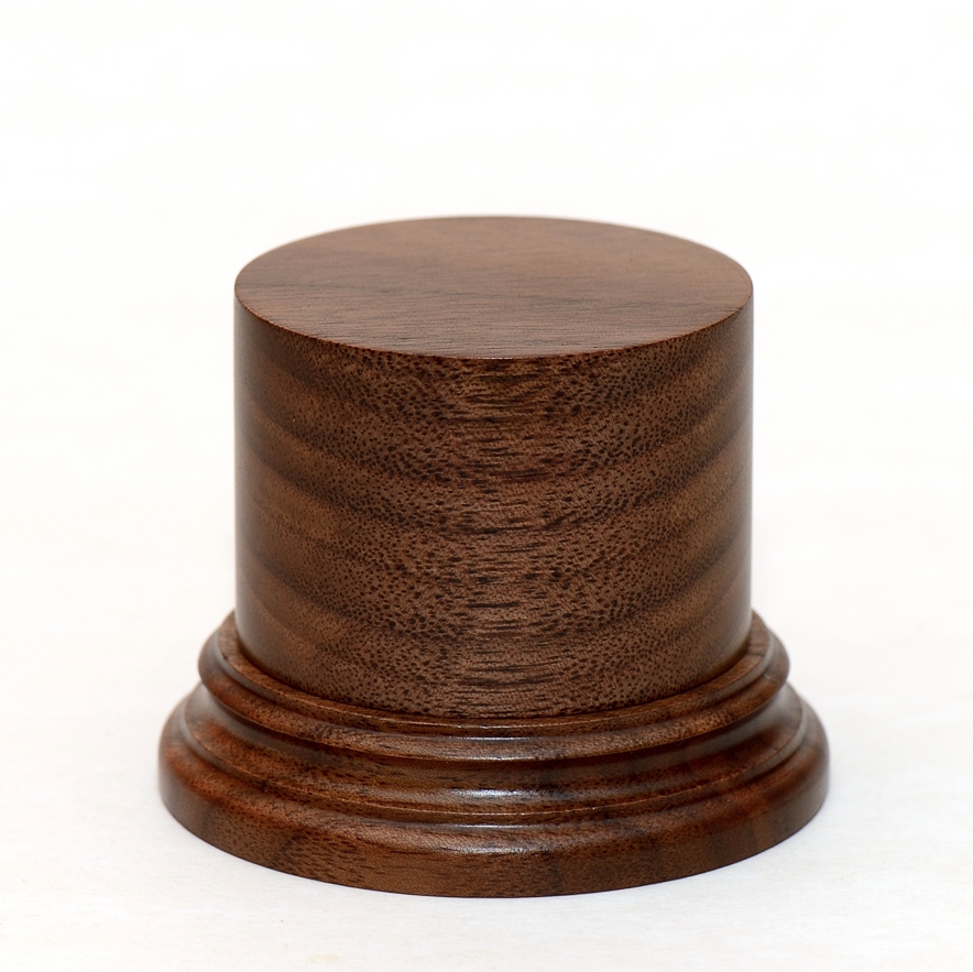 Black Walnut d-50 h-50