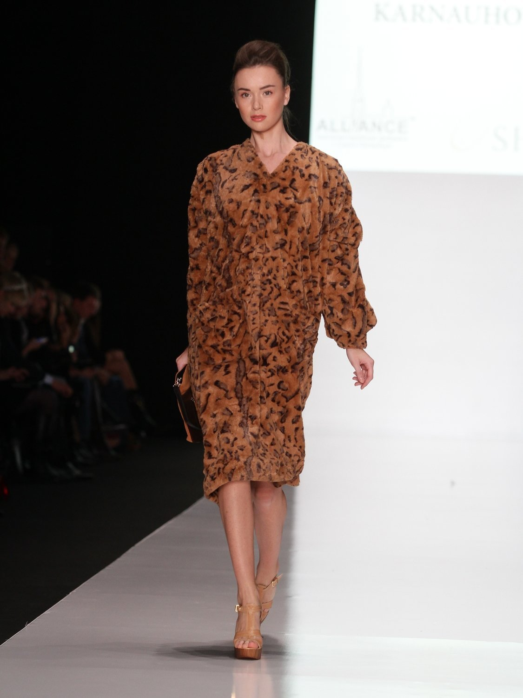 Платье-пальто из искусственного меха CS Collection