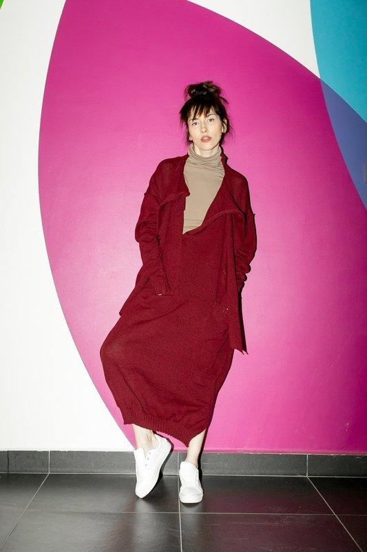 Платье вязаное с шарфами