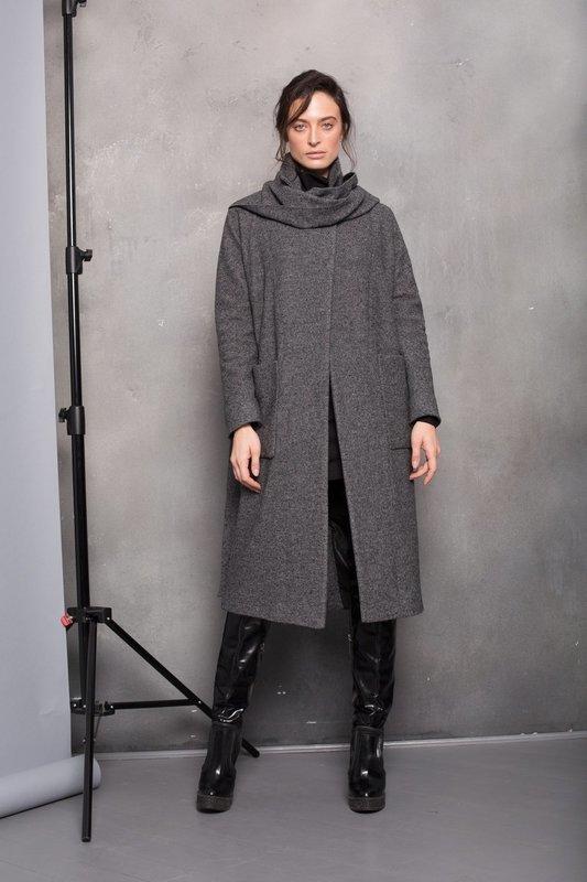 Пальто со шлейфом