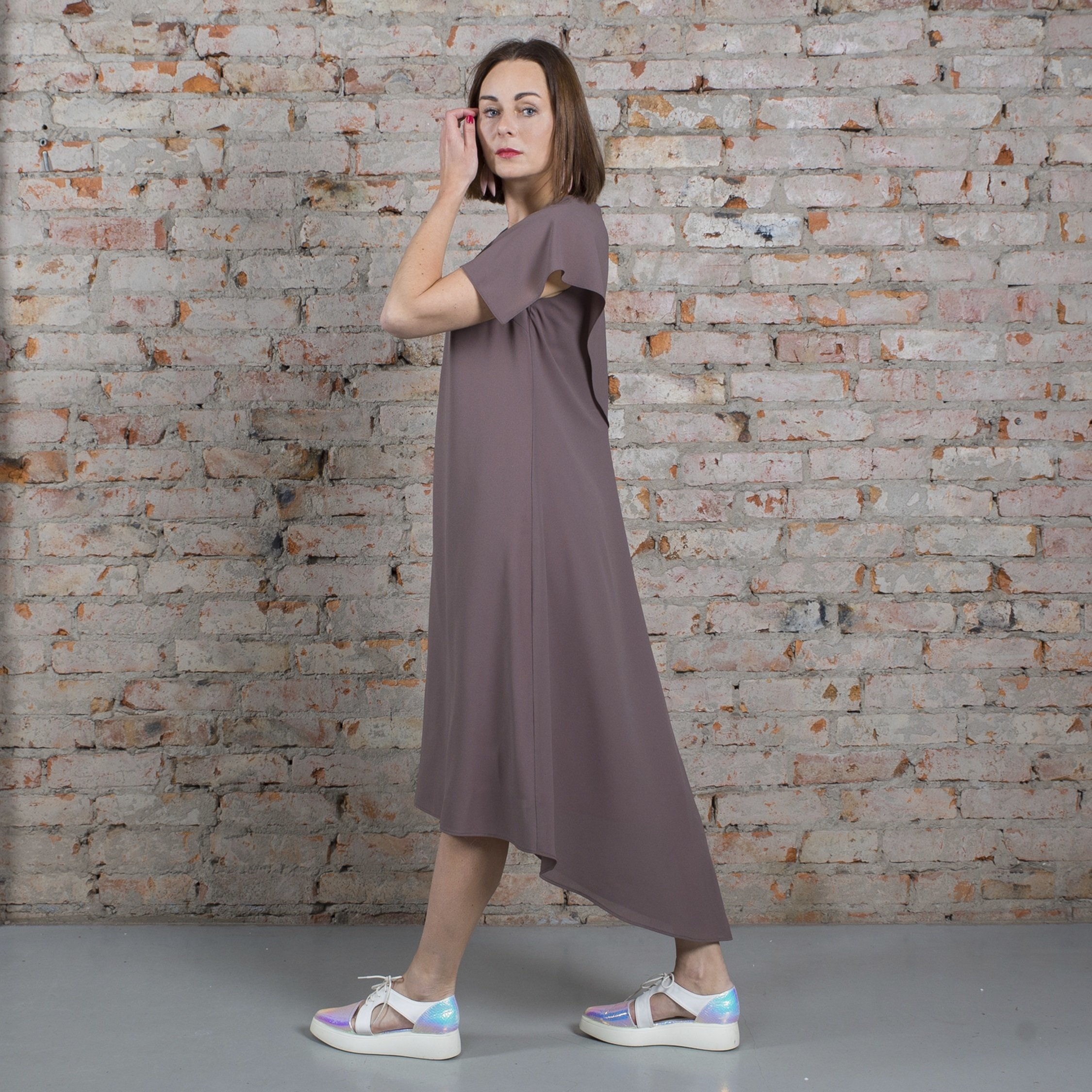 Платье табачное с пелериной 00021