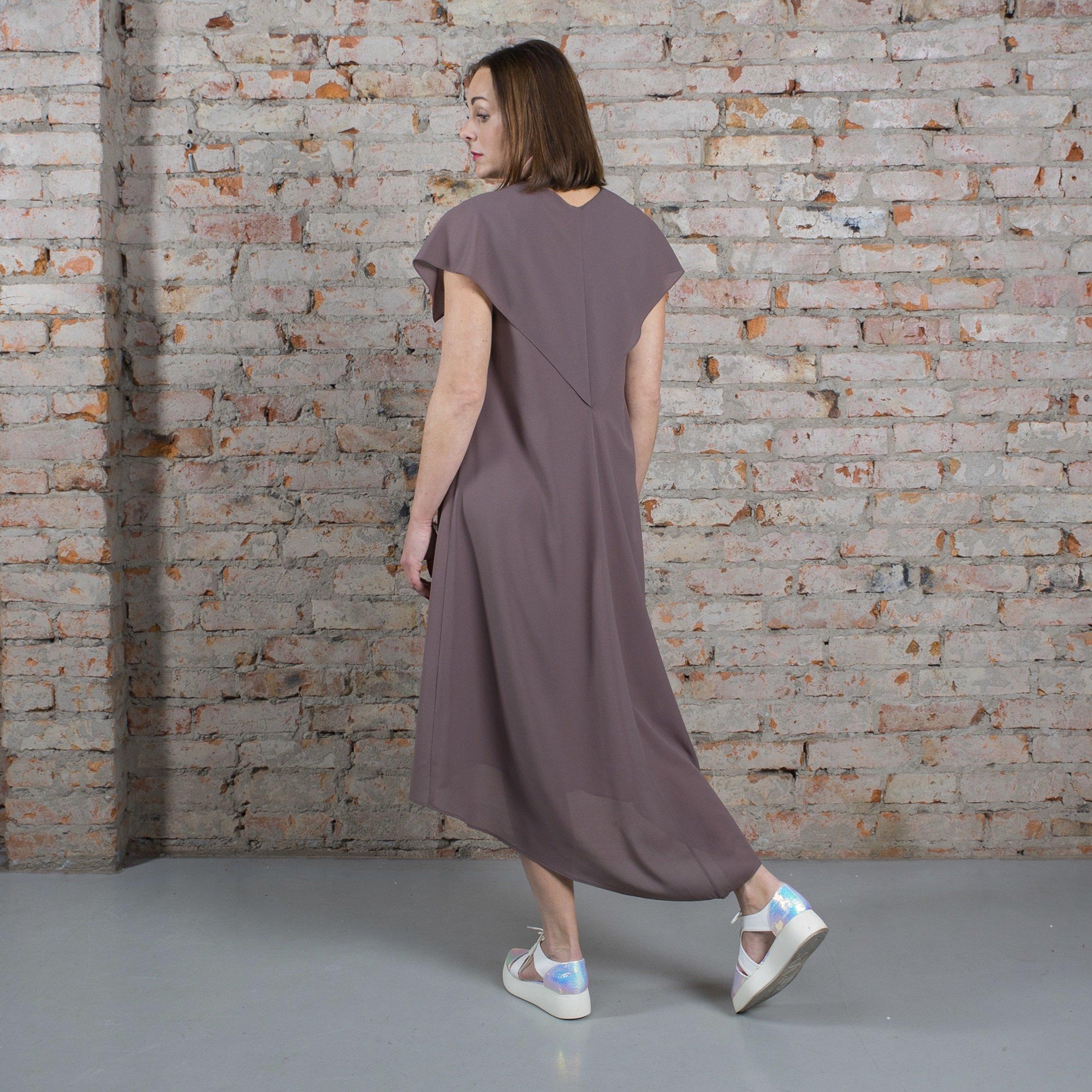 Платье табачное с пелериной